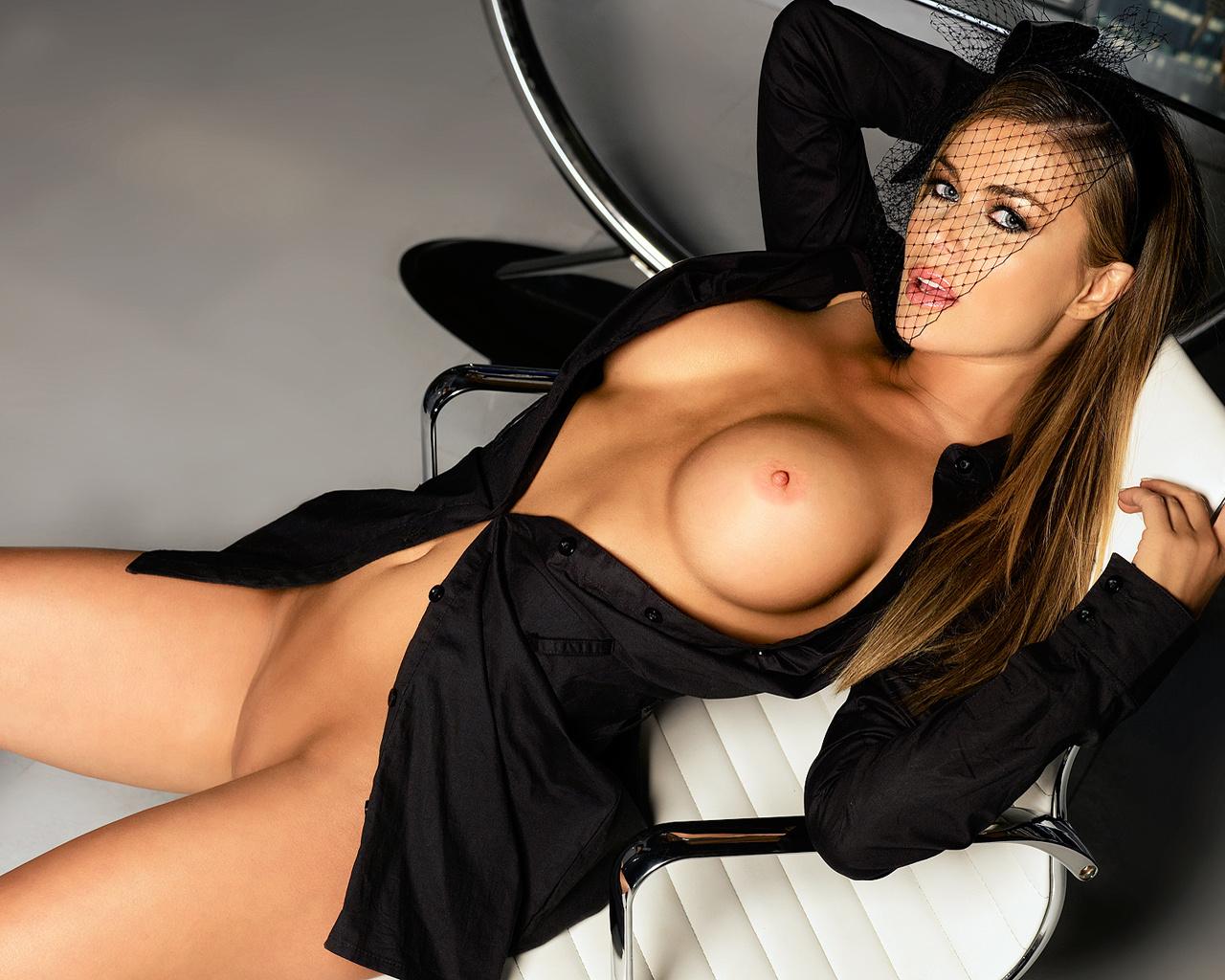 Actress original nude pics