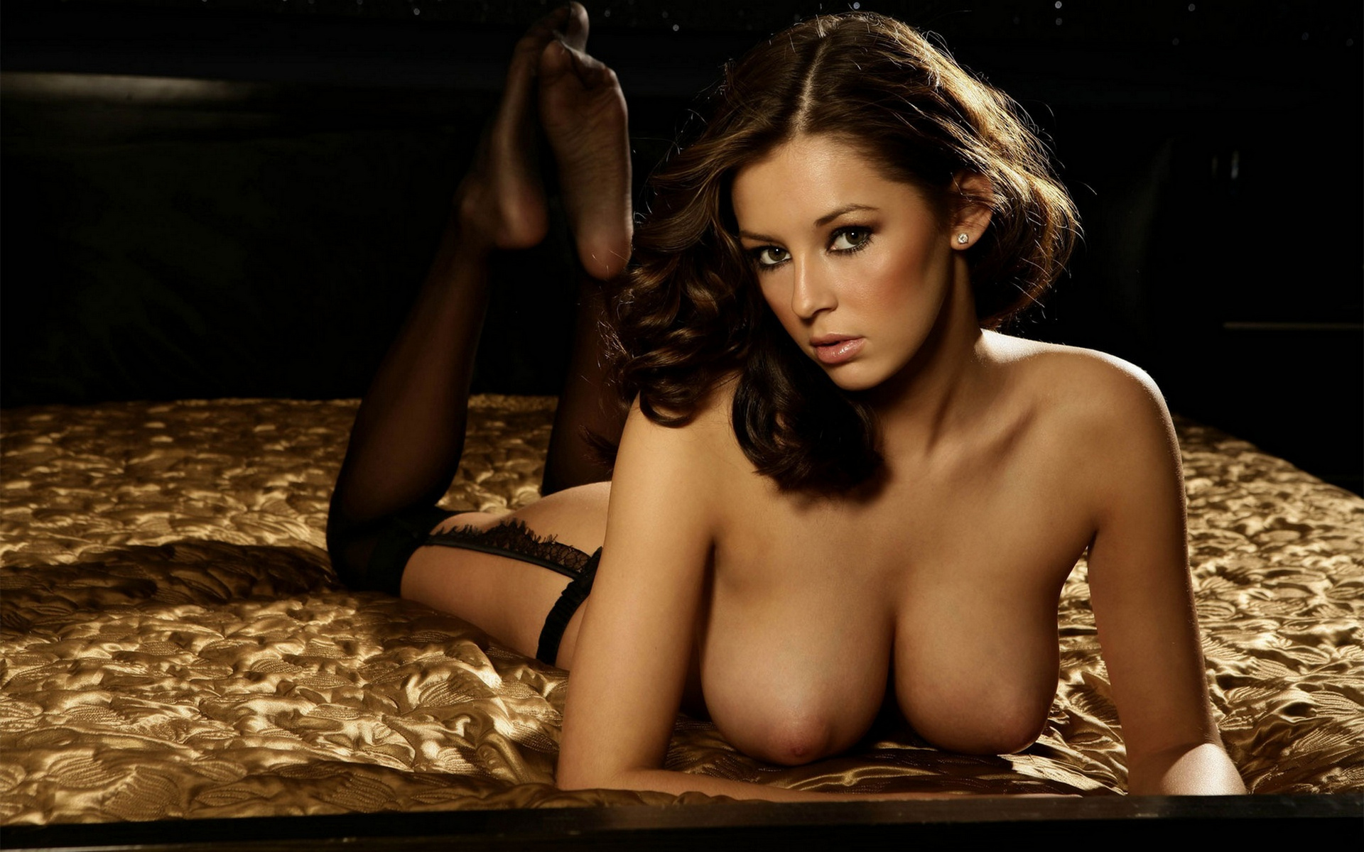keeley hazell in bed