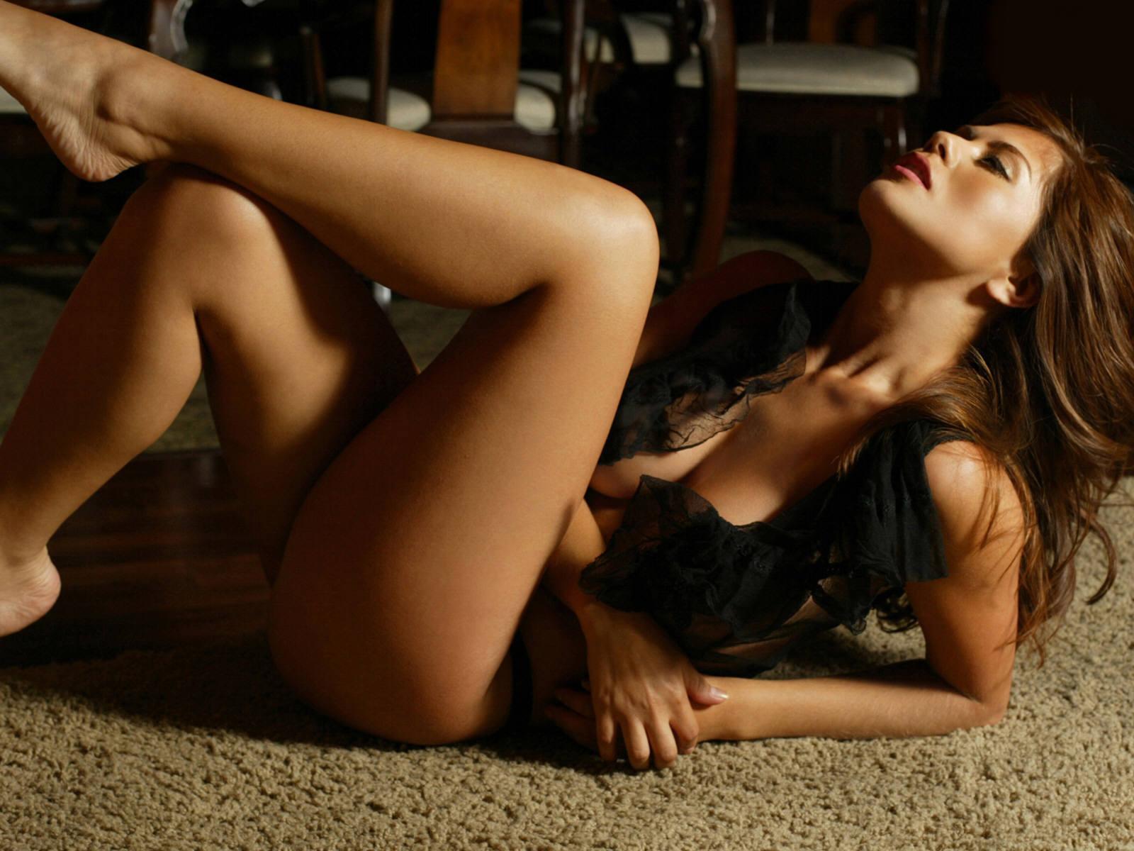 Чарующие девушки и женщины с прекрасными ножками  360855