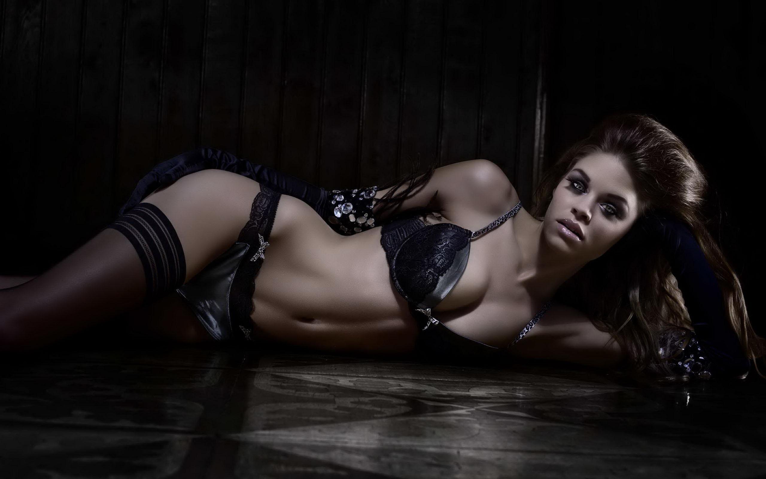 Sexy dark models