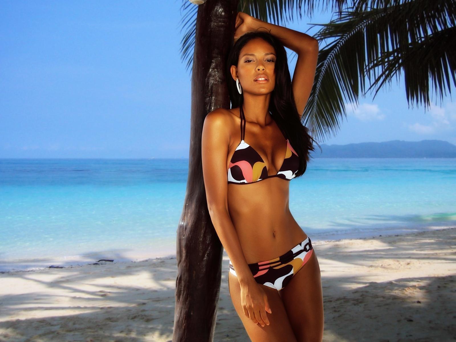 Bikini women wallpapers