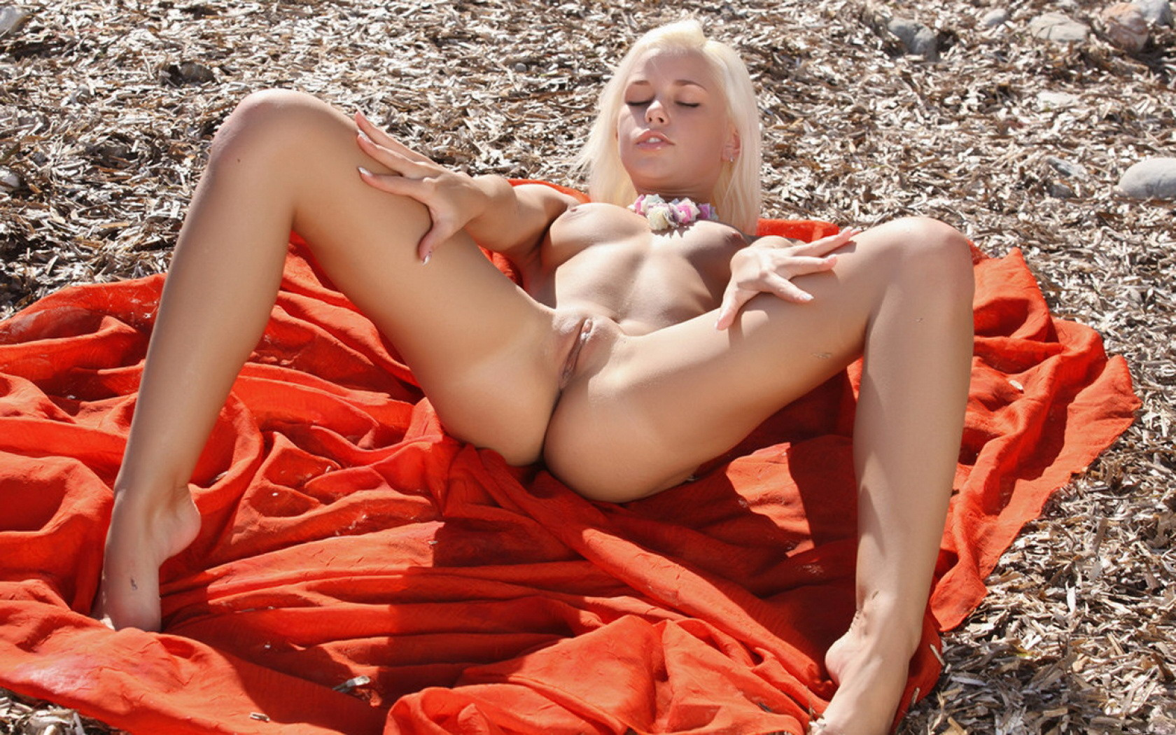 Can find shaved nude beach girls free porn pics agree