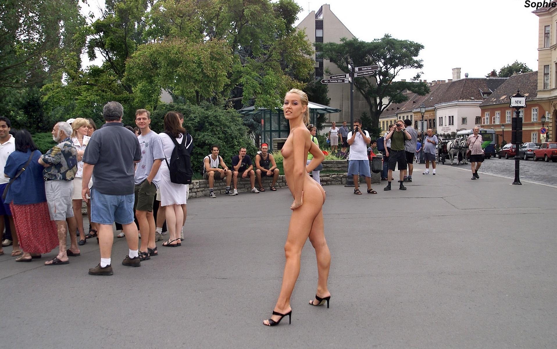 Sophie Nude In Public 108
