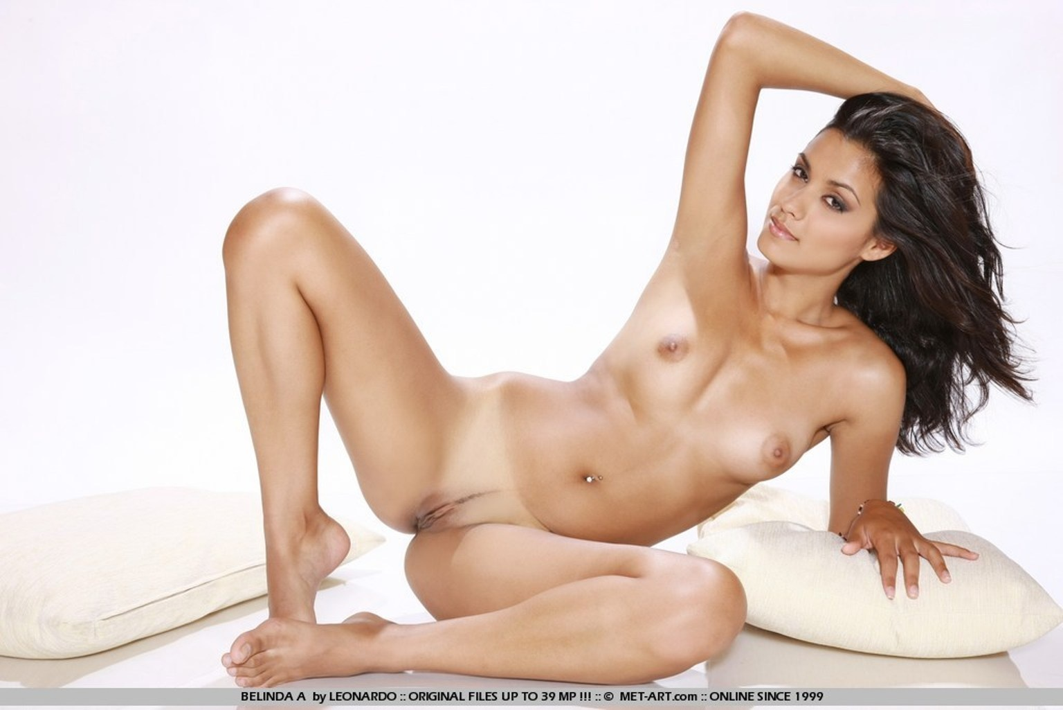 nude photos in jennifer welles