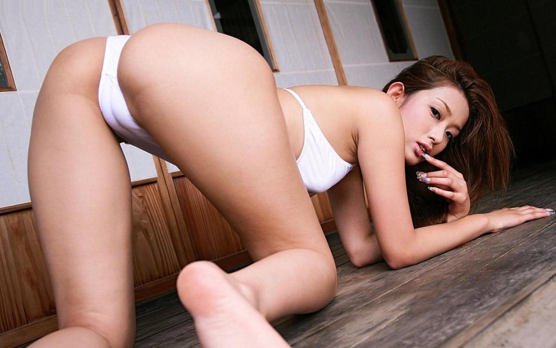 perfect hot naked asians with sexy feet