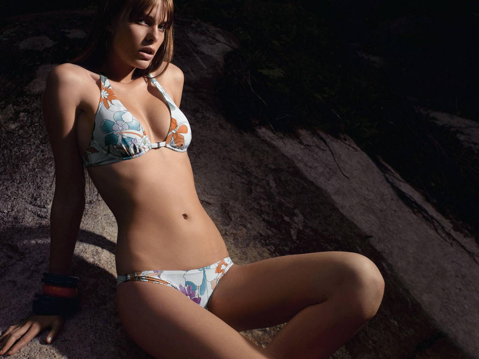 Фотографии голых молоденьких девушек 1 фотография