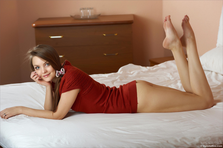 naked hot girl orgasmic fucking