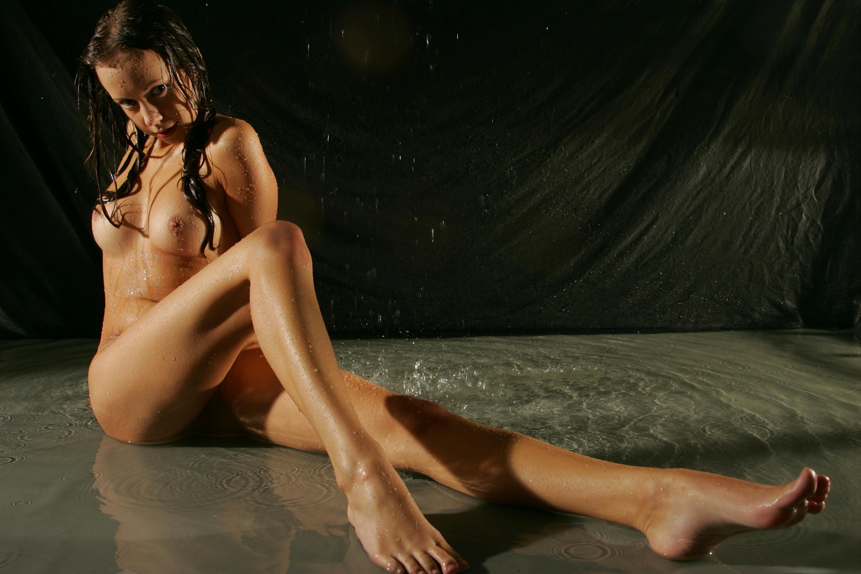 Finest Nude Women Wallpaper Images