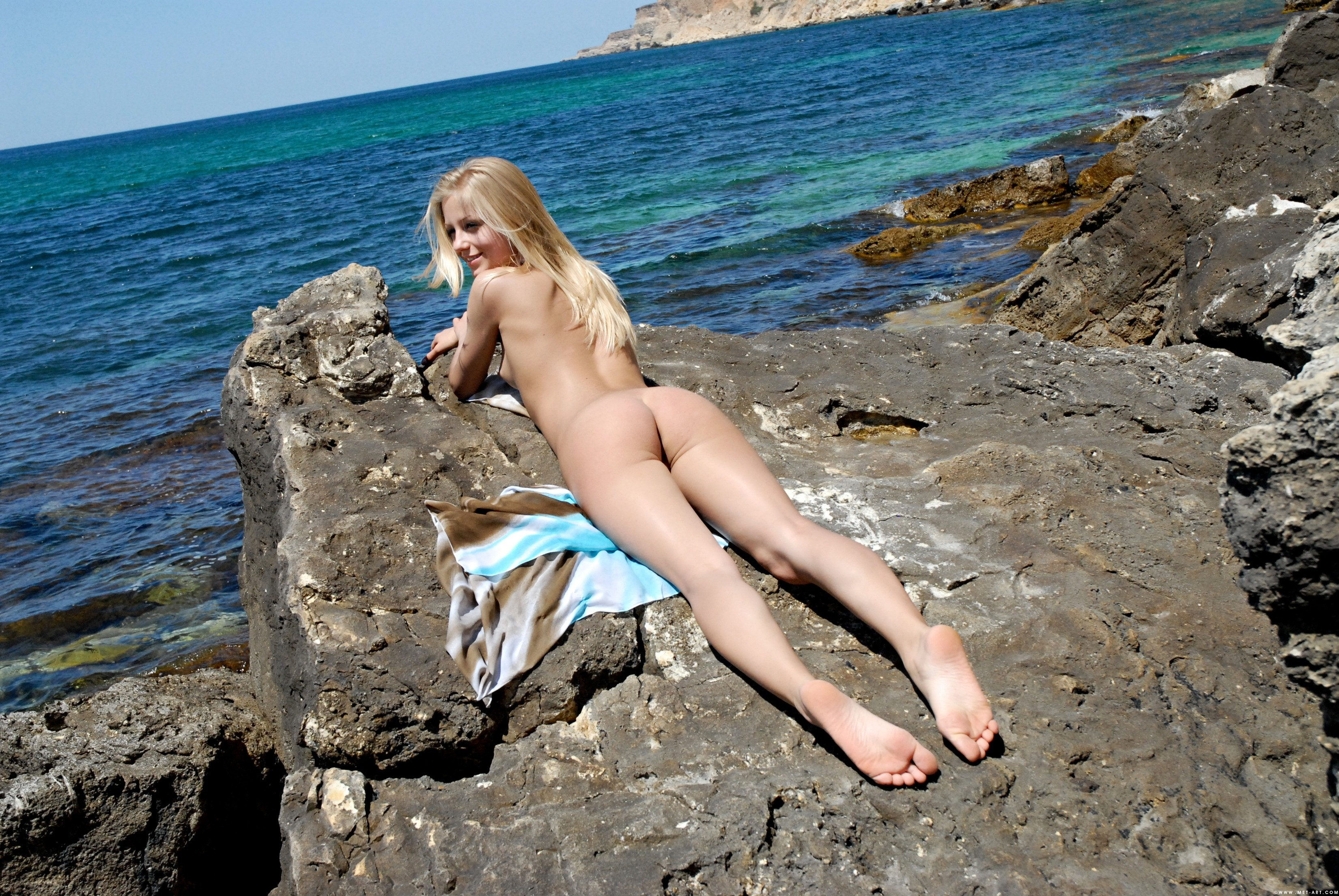 Wallpaper Gerra, Blonde, Ass, Butt, Lying, Beach, Nude -1992