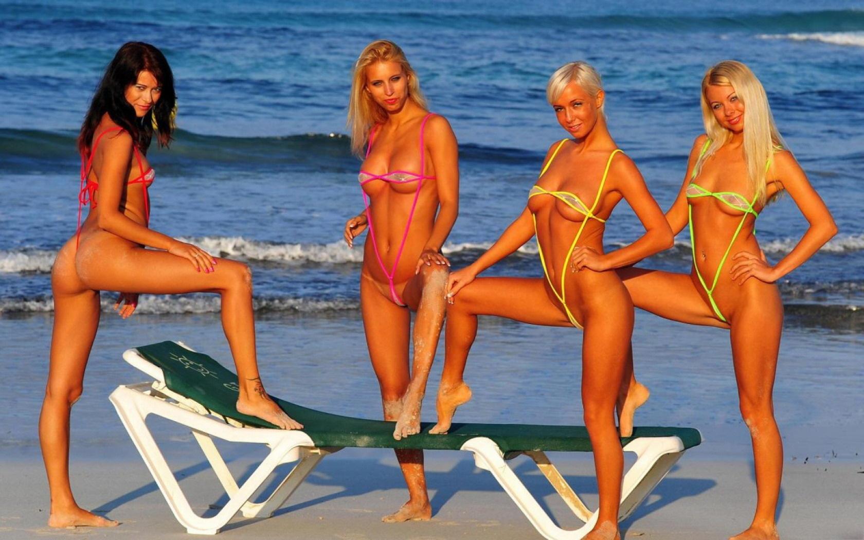 Lea tyron bikini cartoon girls