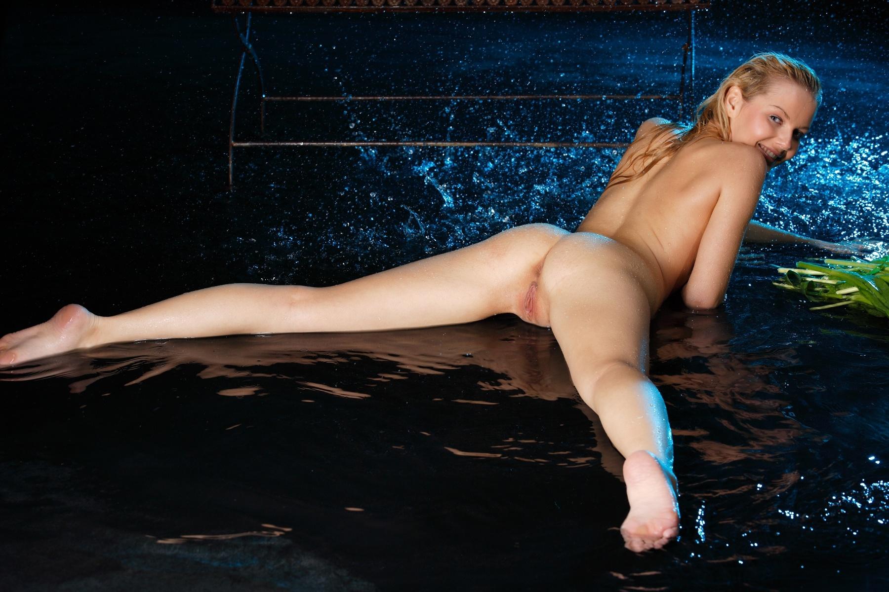 selfshot nude pragnant malaysia