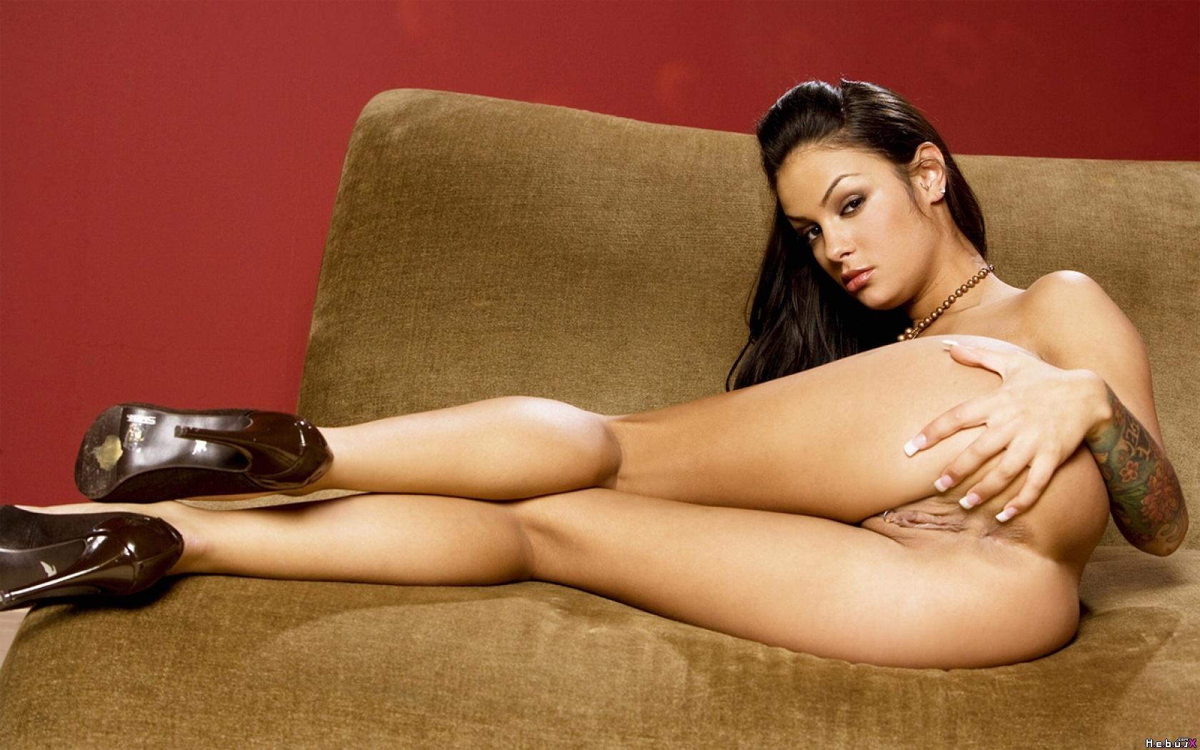 Сексуальная девушка в проруби 22 фотография