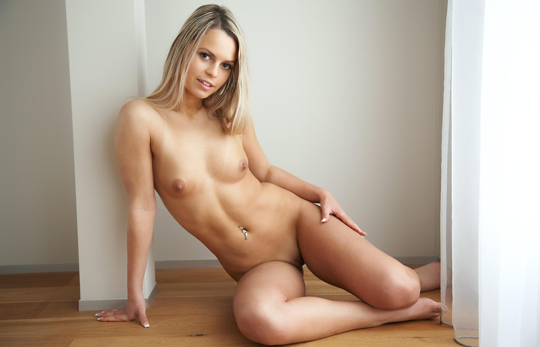 Cute nude model