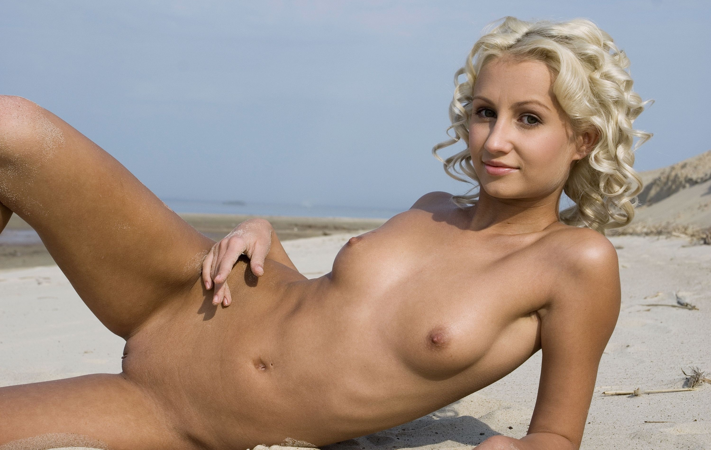 Blonde Beach Girl Natural Pussy