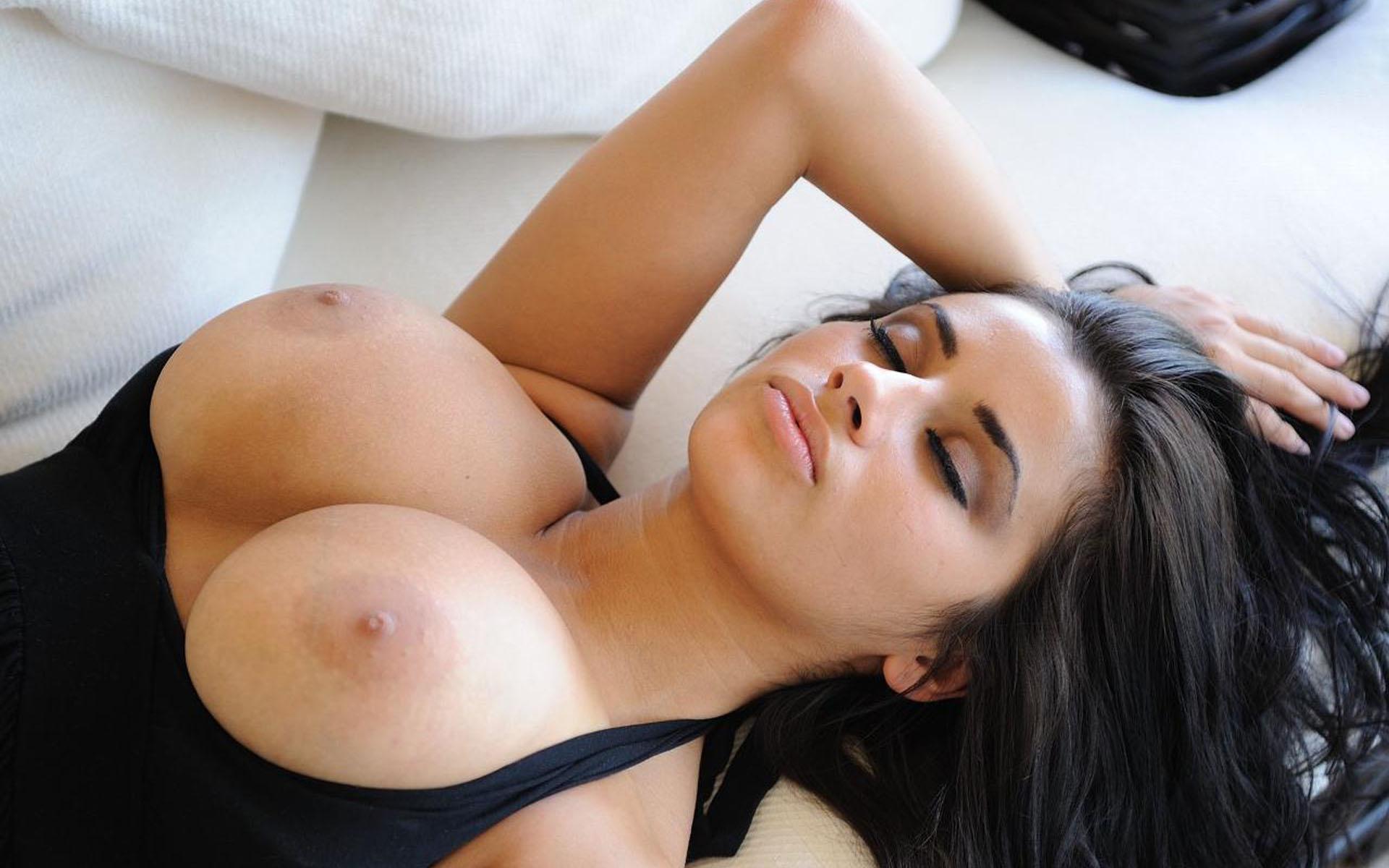 krasivie-porno-foto-s-bolshimi-siskami