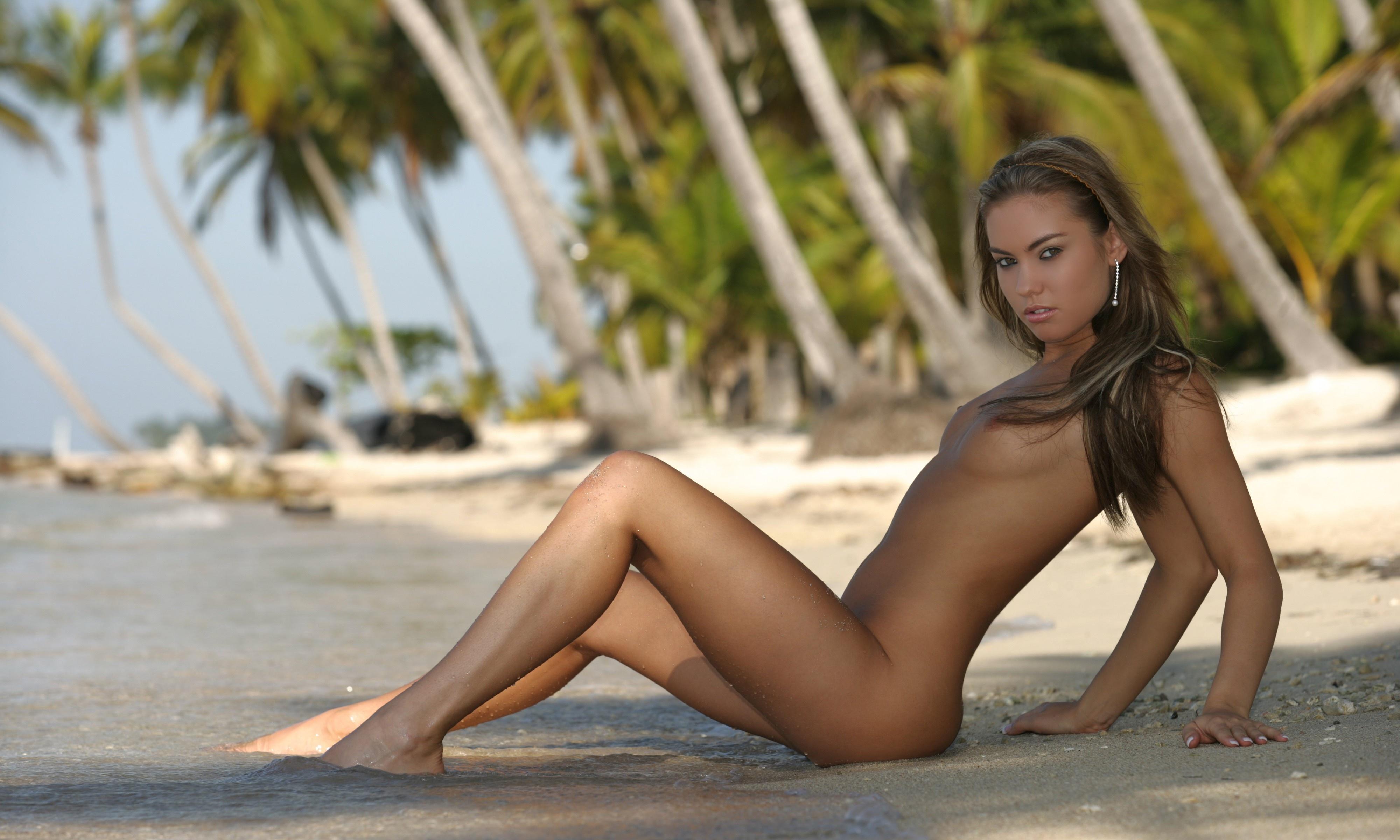 Секс на диком острове