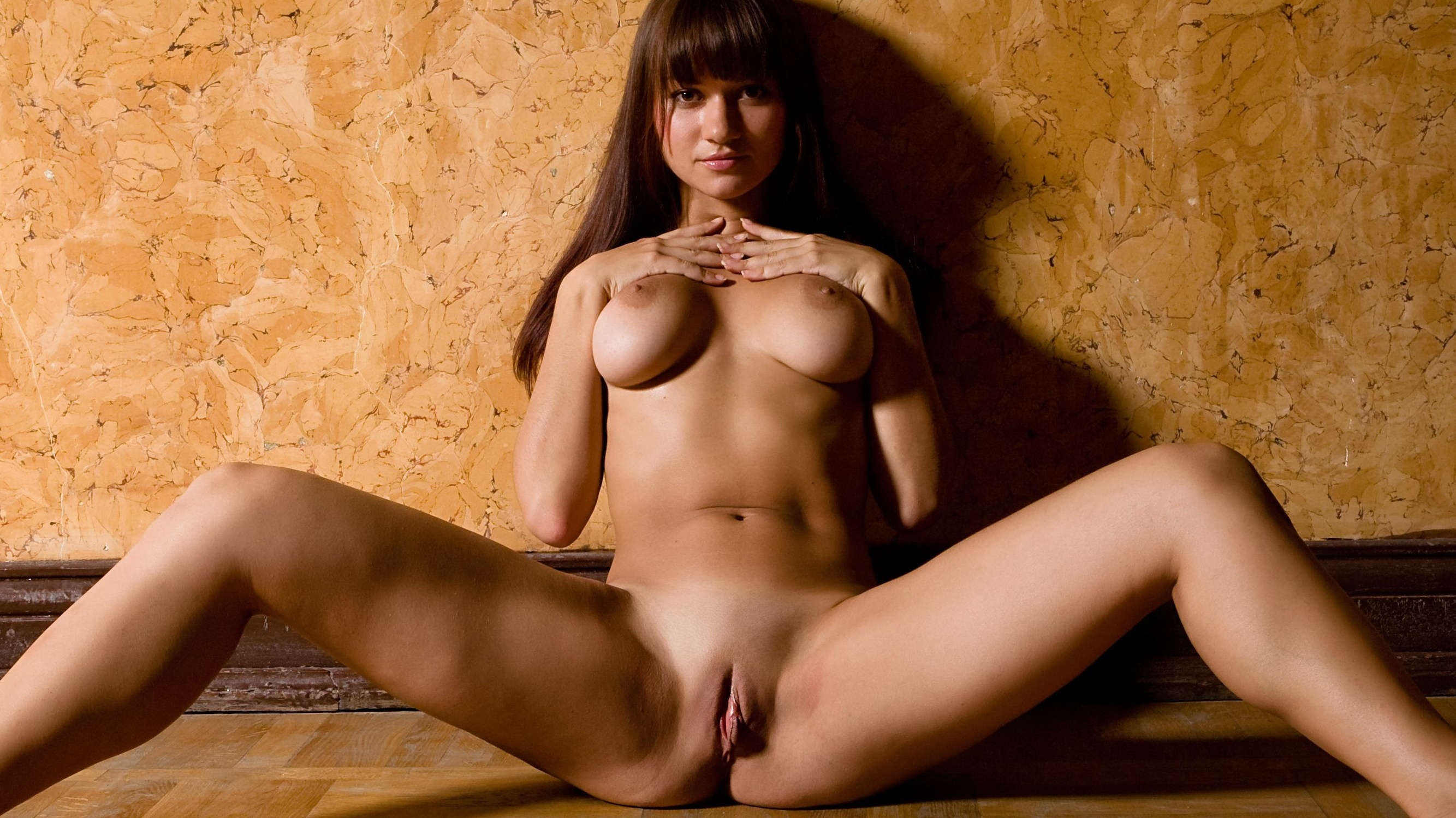 Amateur black full body naked