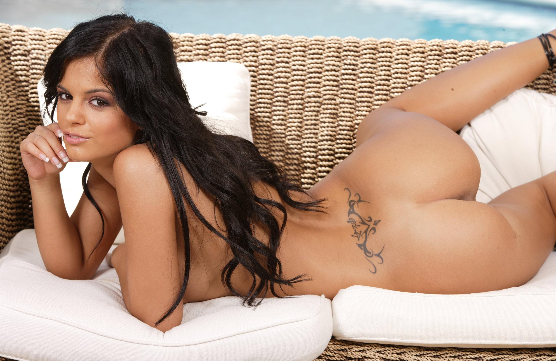 Tatto Naked 54
