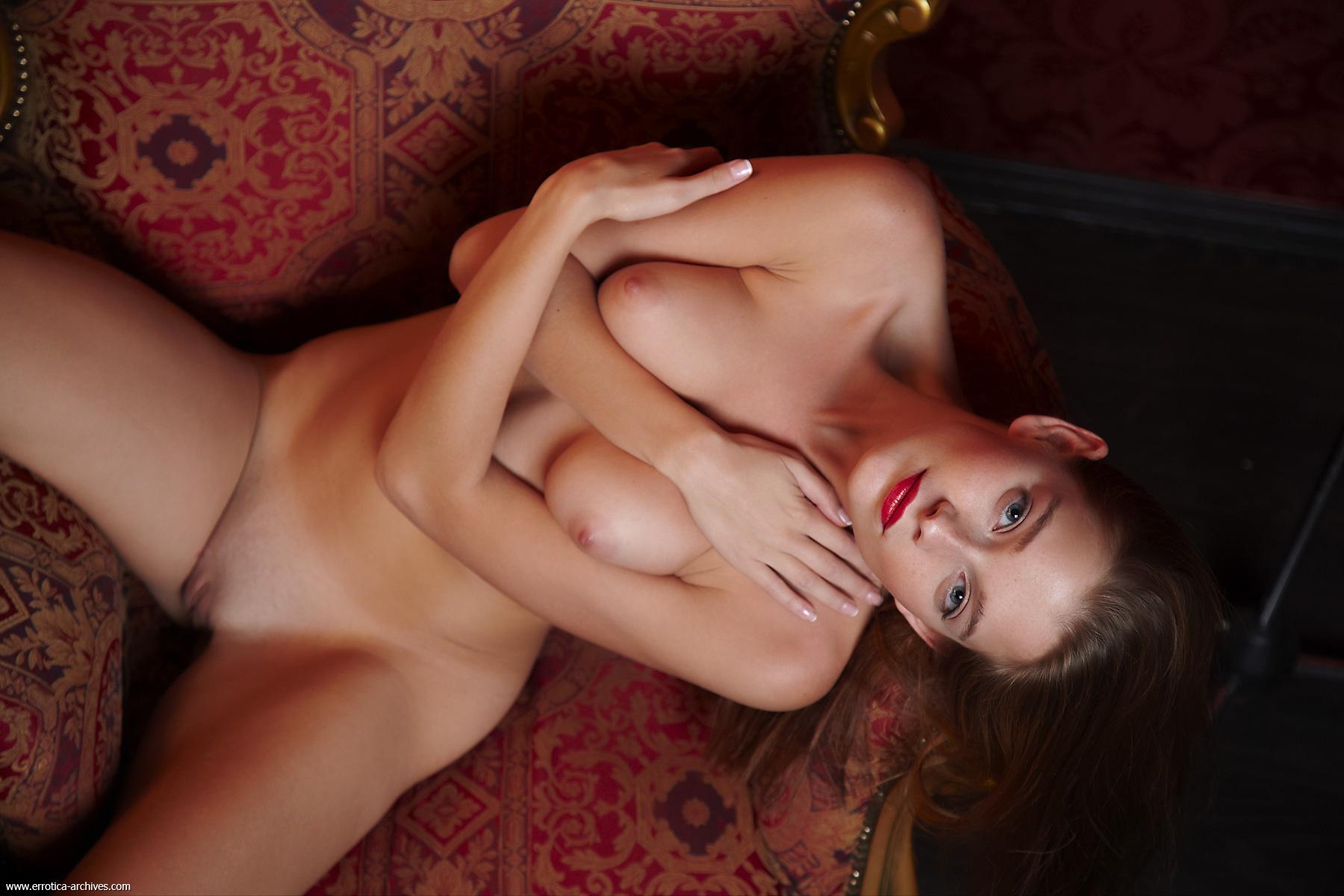 Проститутки с накрашенными губами 16 фотография