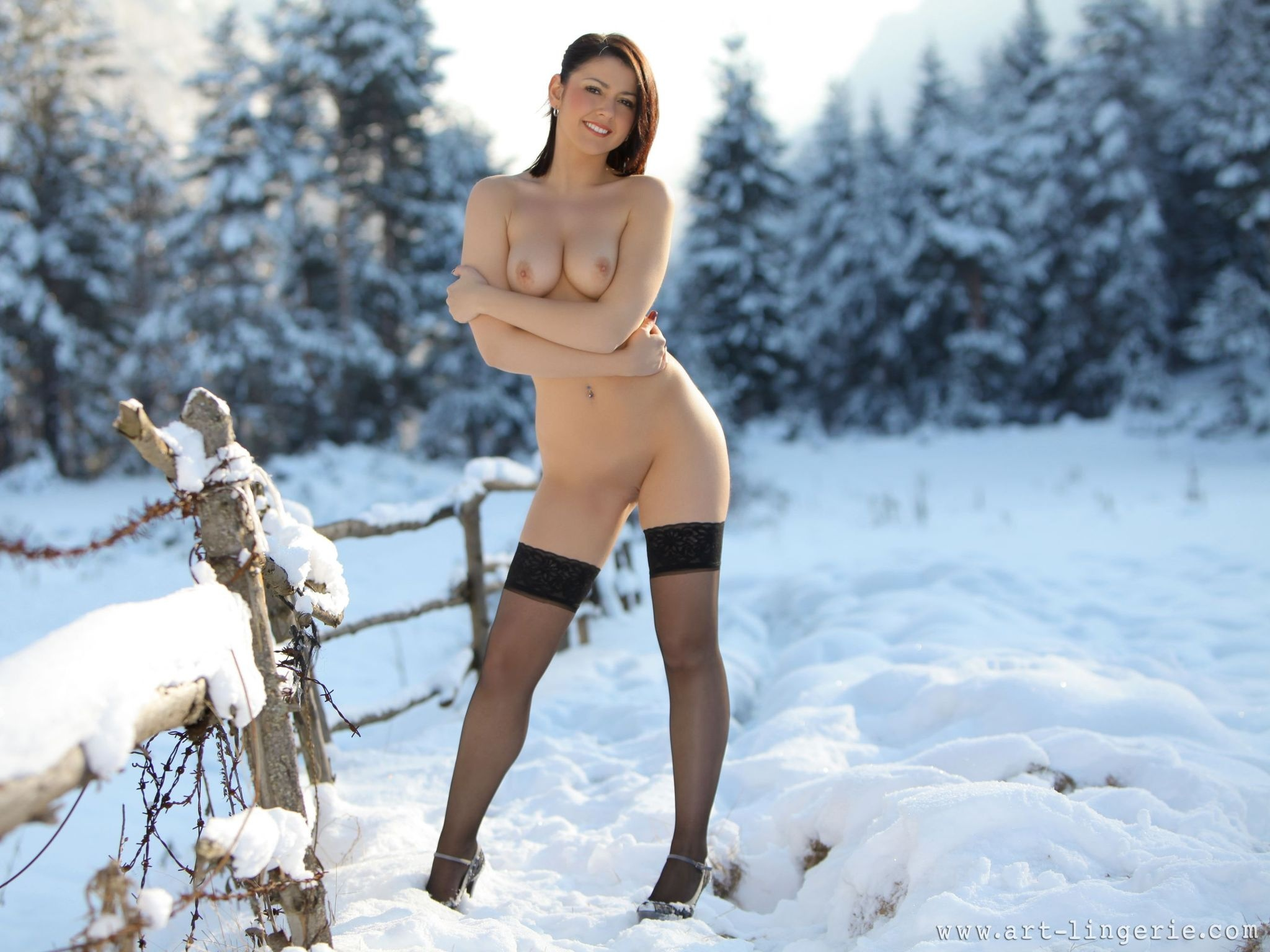Naked Ladies In The Snow