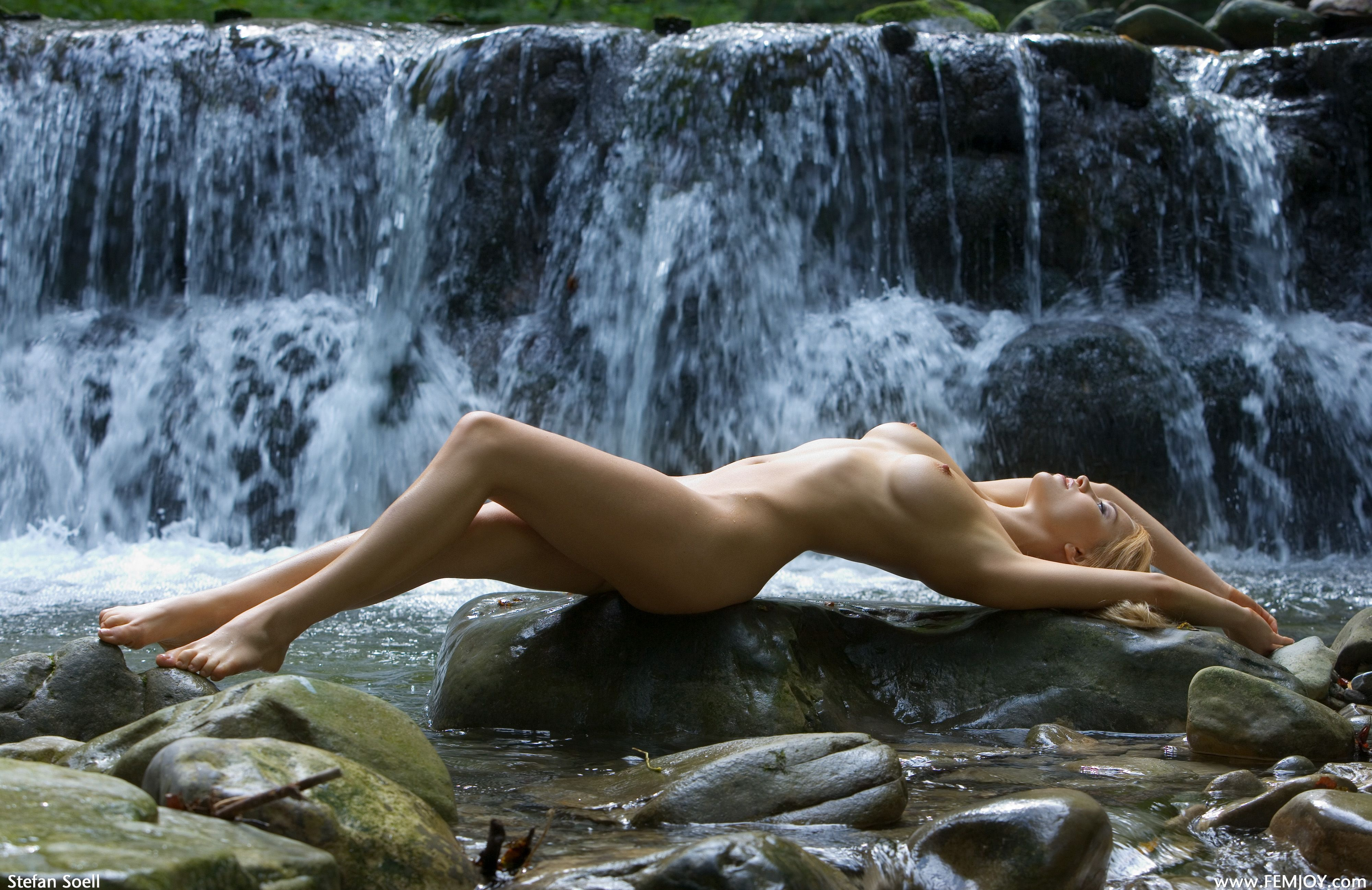 Nude girls photography