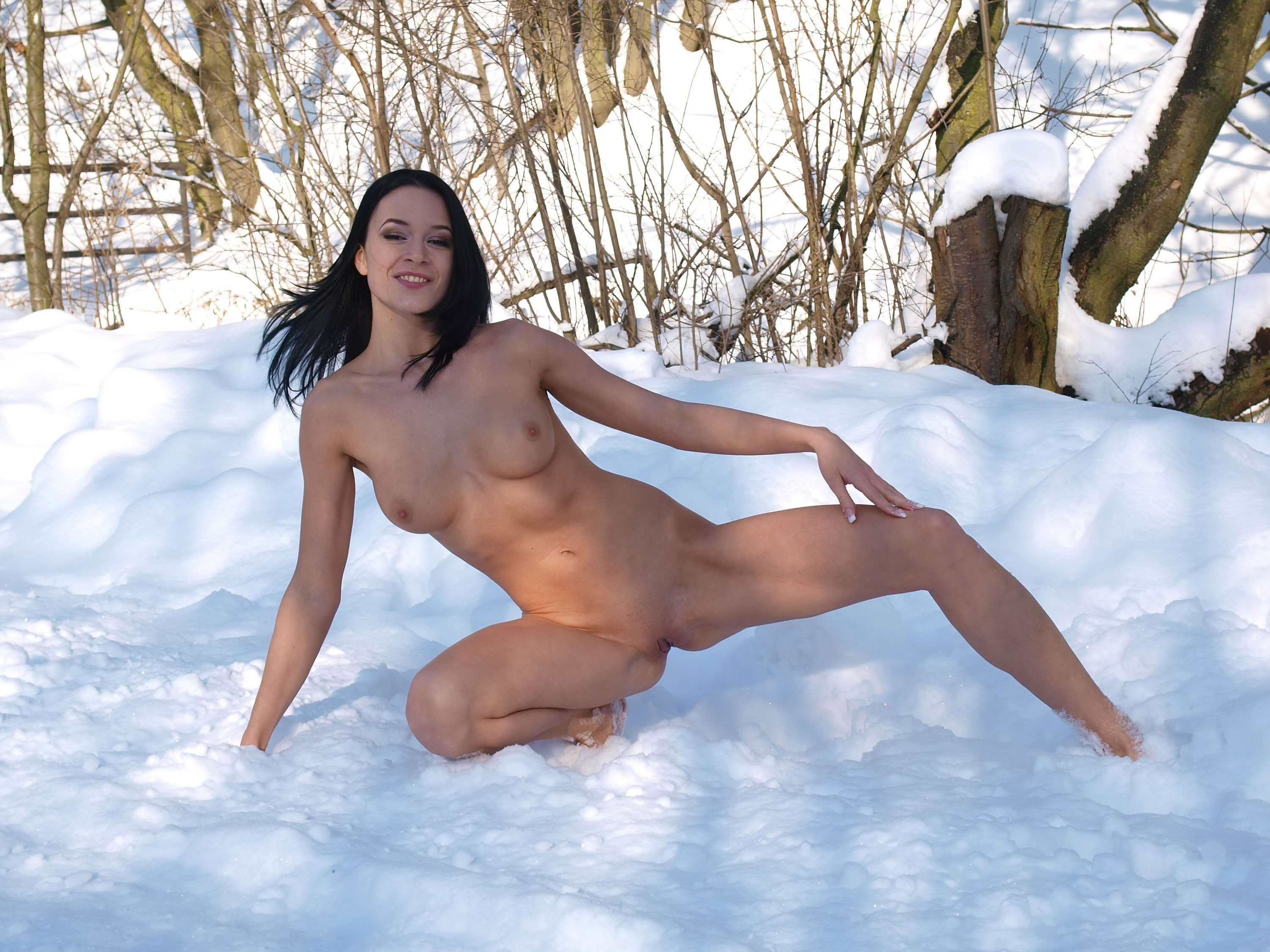 Free videos of nude snowflake