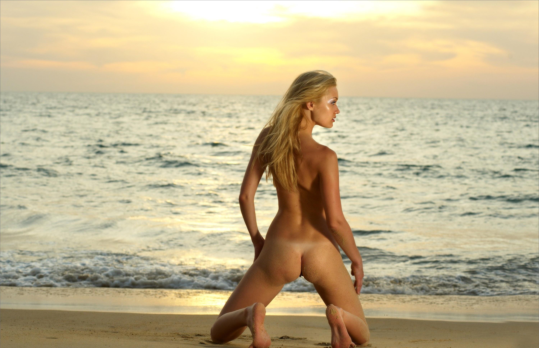 Фото закат и голые девушки 22 фотография