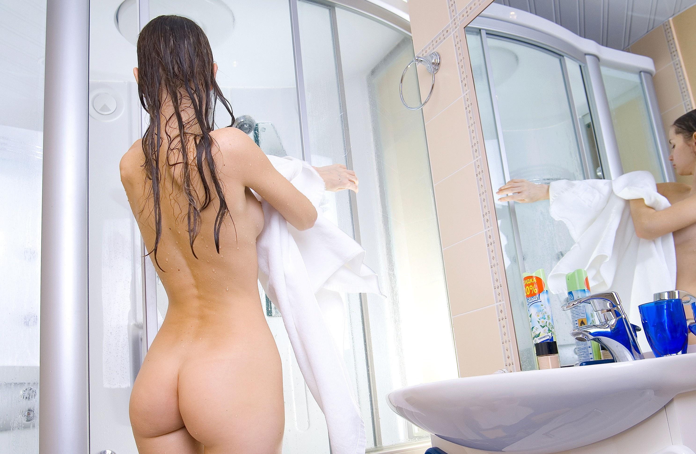 Wet naked mirror pics, pantyhose lesbians video