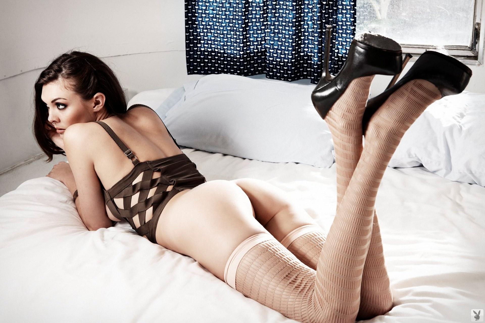 Секс с девушкой в светлых чулках 11 фотография