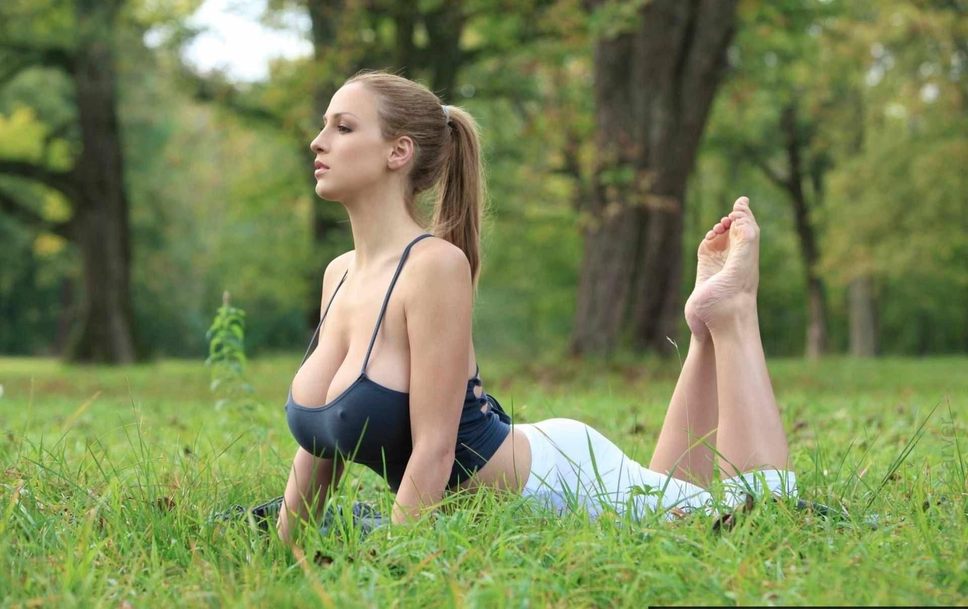 Русский парень с большим членом трахает русскую девочку с большими сиськами 4 фотография