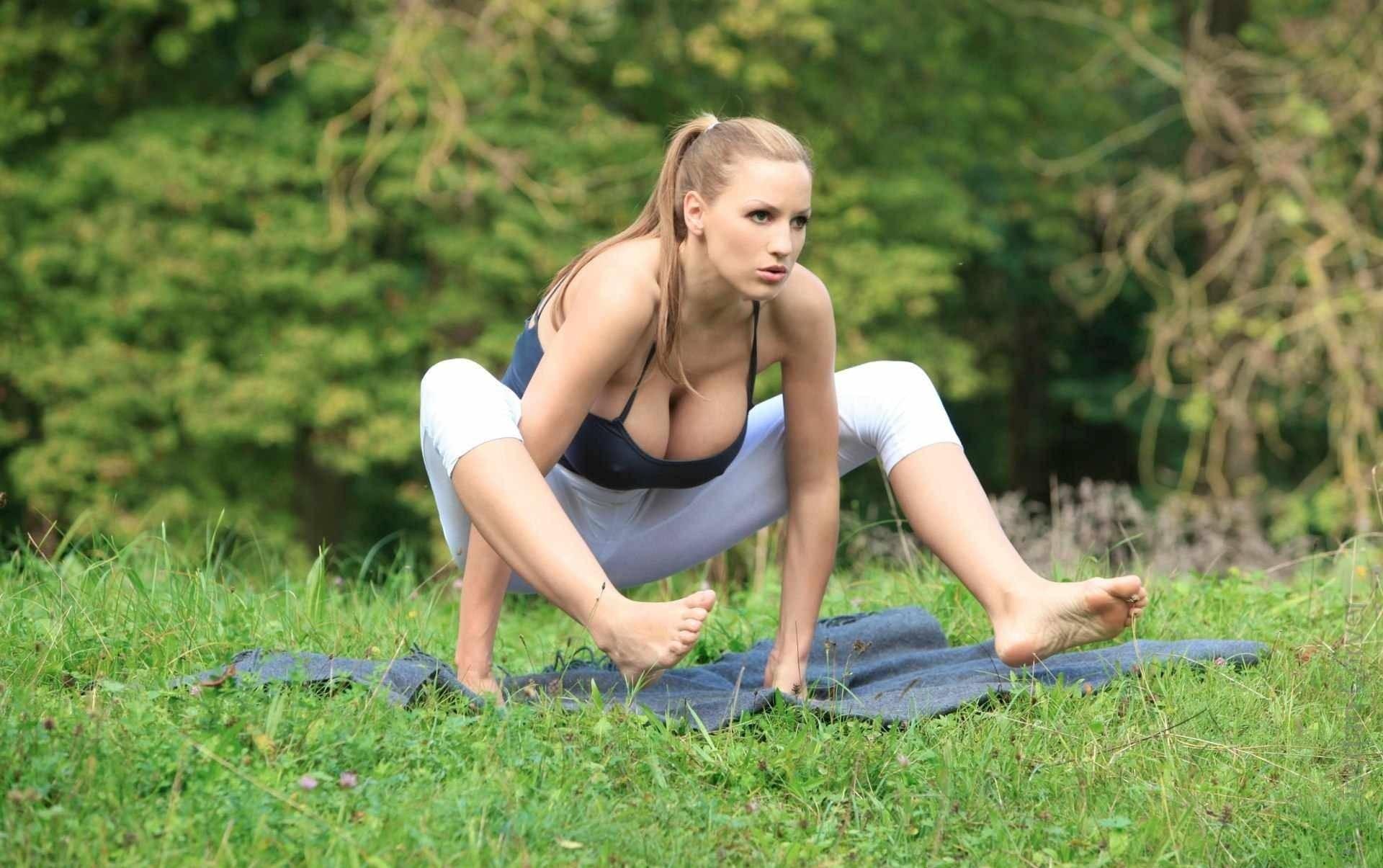 Yoga enthusiasts Melody Jordan  № 1606132 без смс