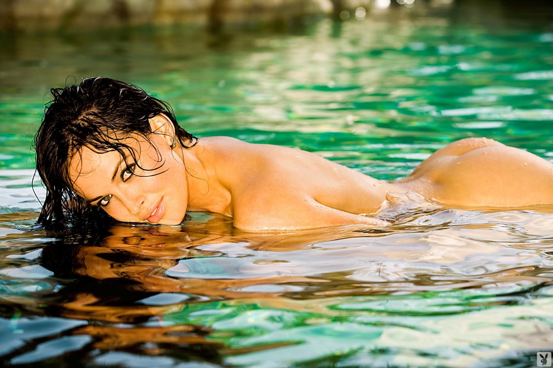 Эротические фото в воде 25 фотография