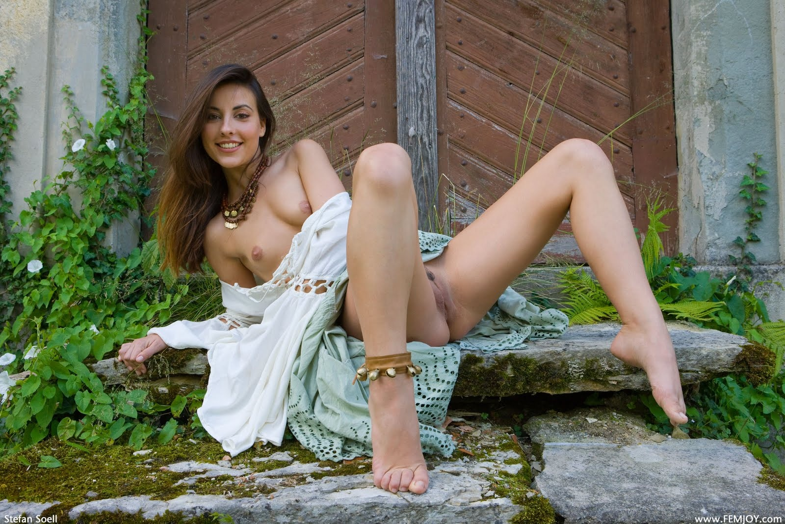 Wallpaper Lorena G Brunette Outdoor Sexy Smile Cute Spread Spreading Naked Tits Hot