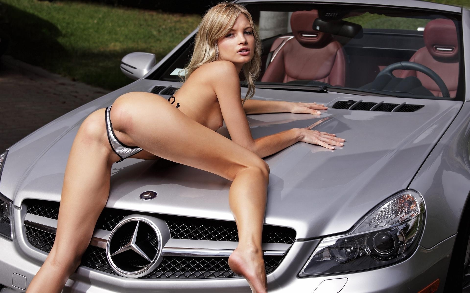 hot women nude in car