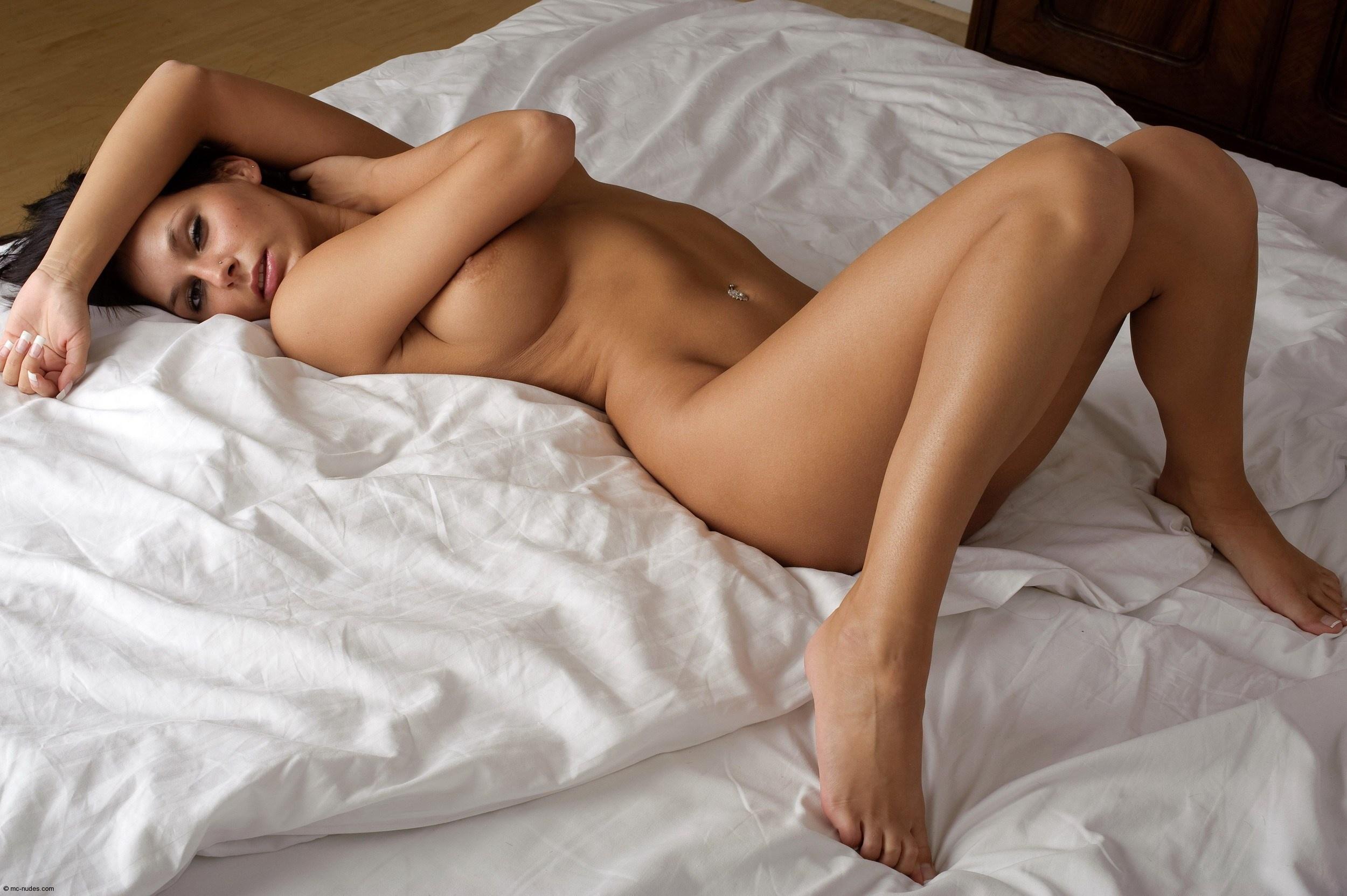 prikroy-svoi-golie-nogi