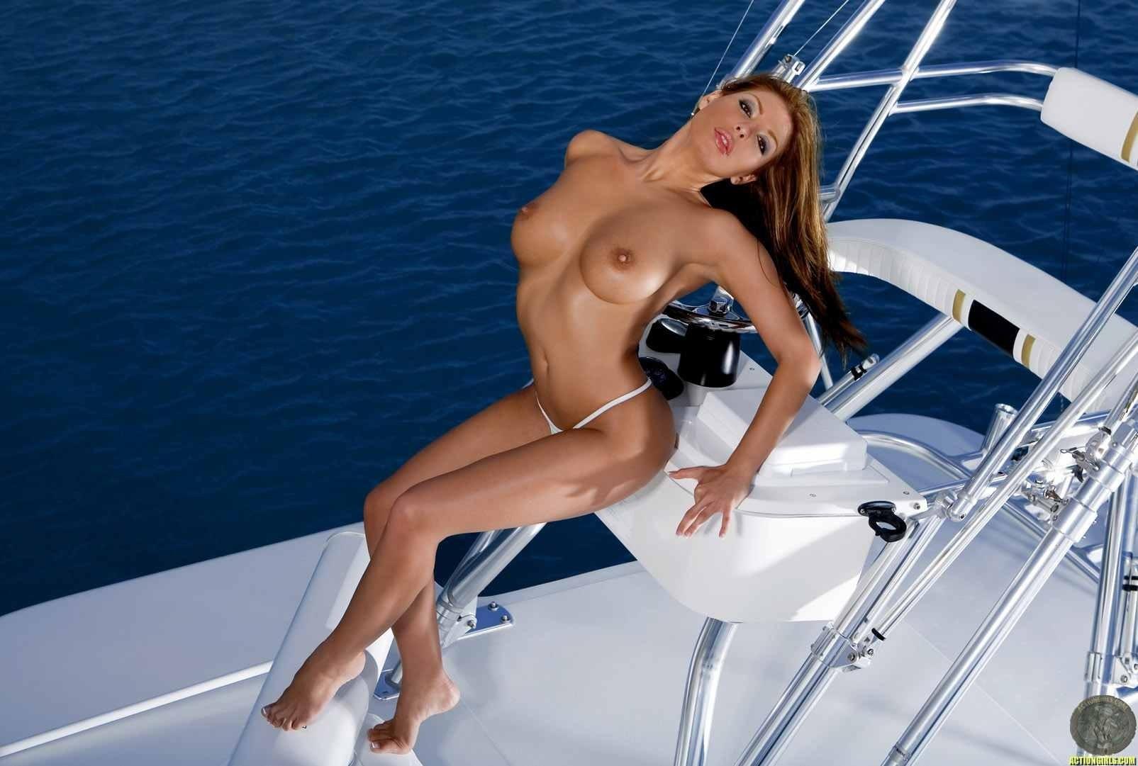 fuck-with-bikini-boat