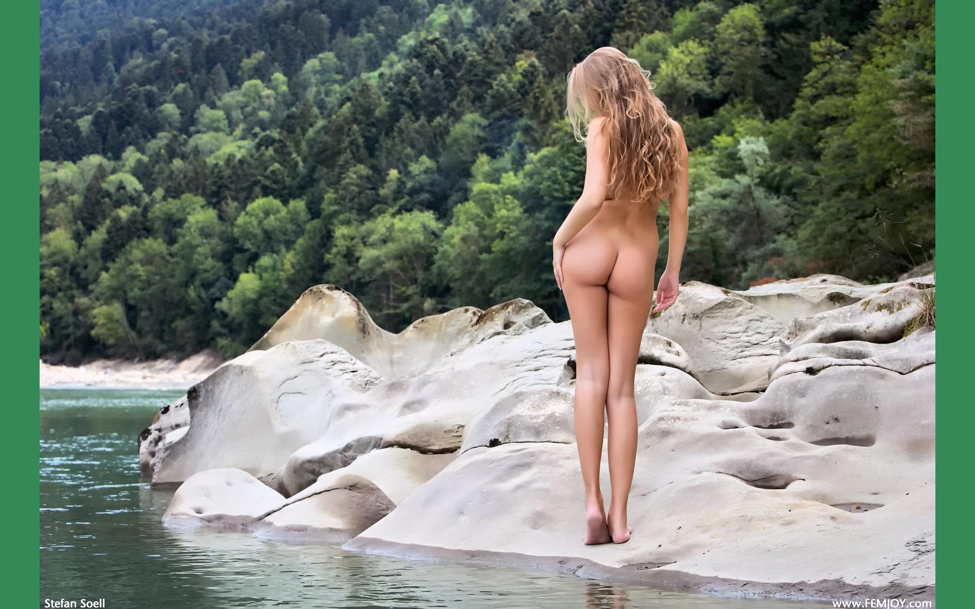 Celebrity buttocks augmentation by micro