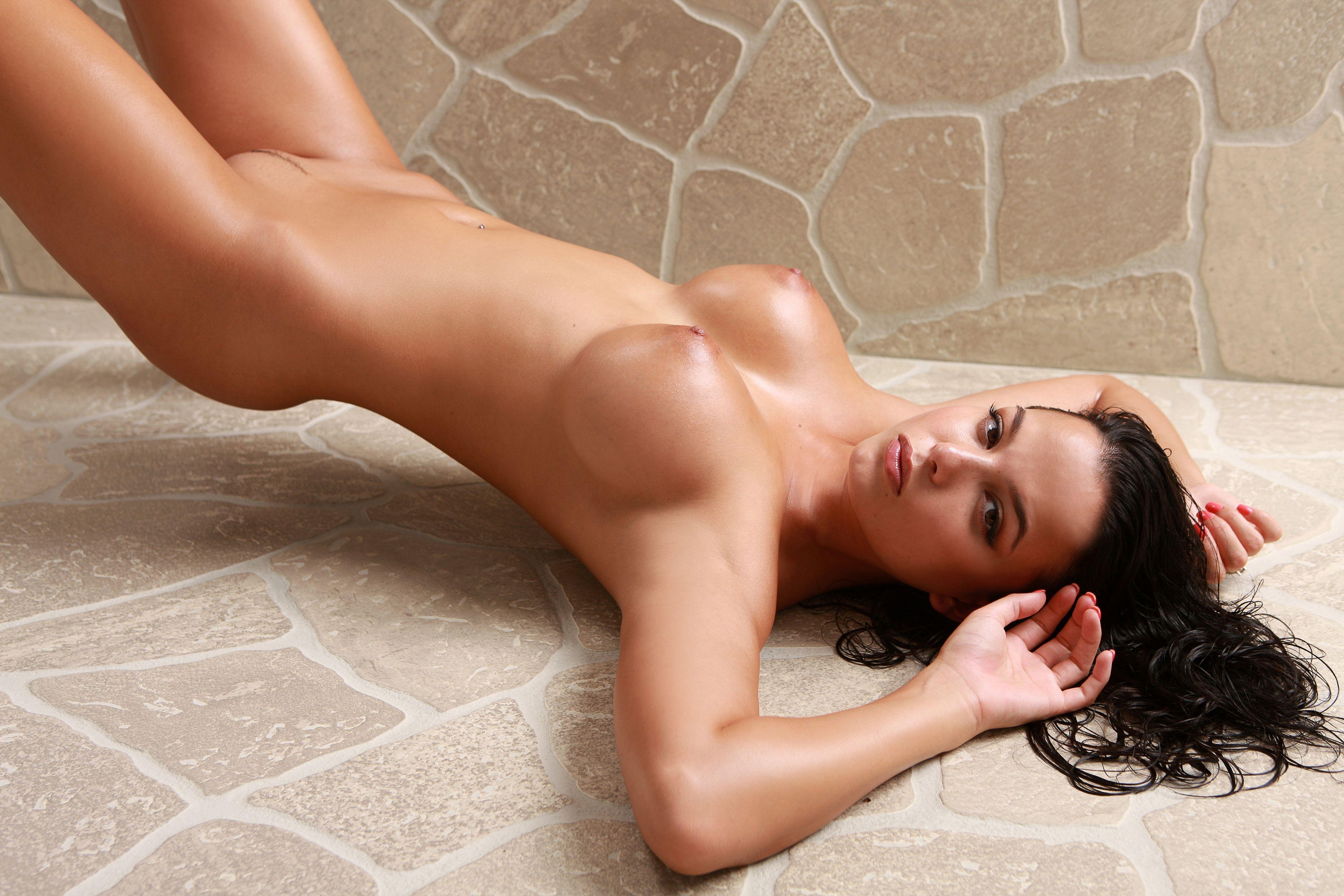 Rachel weisz naked bottom