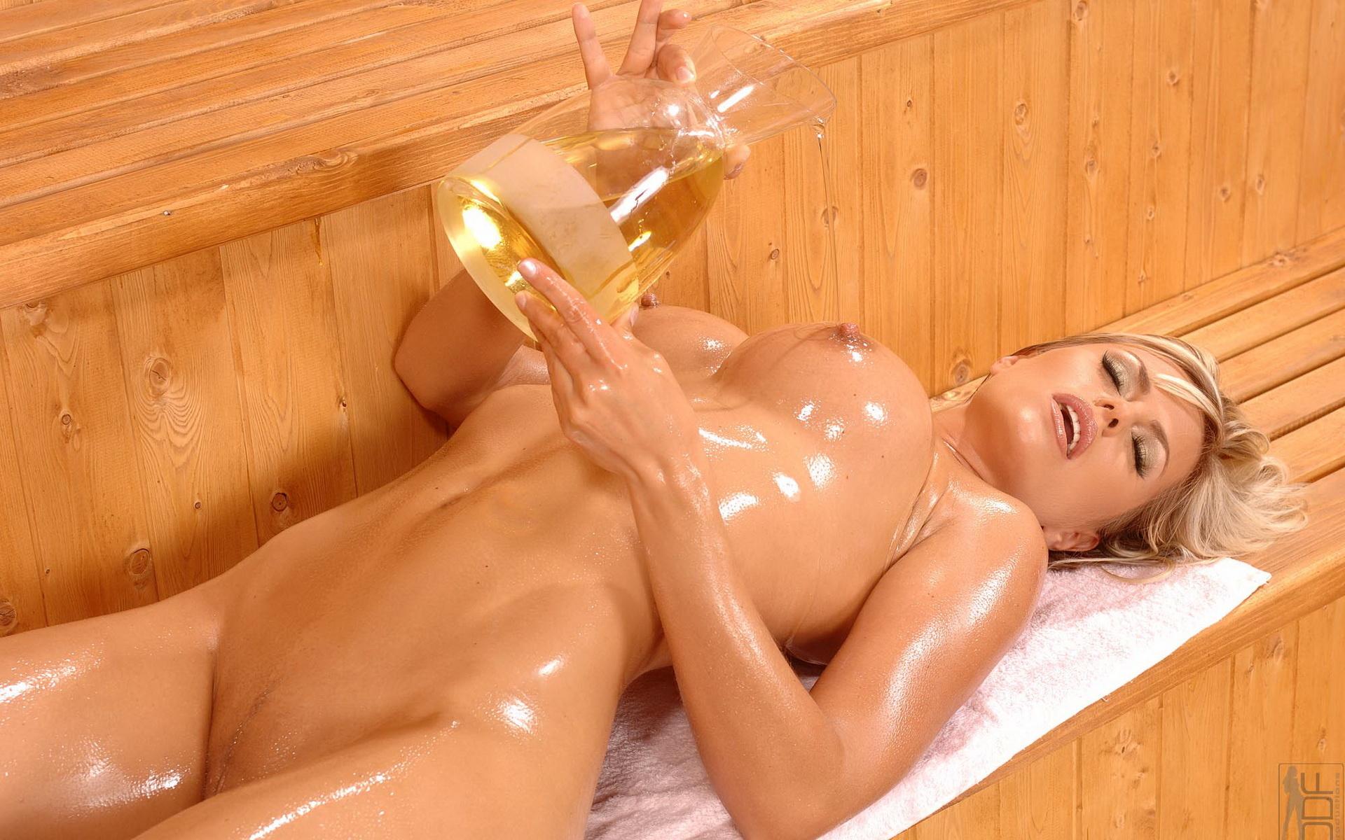 Giant Nude Girl