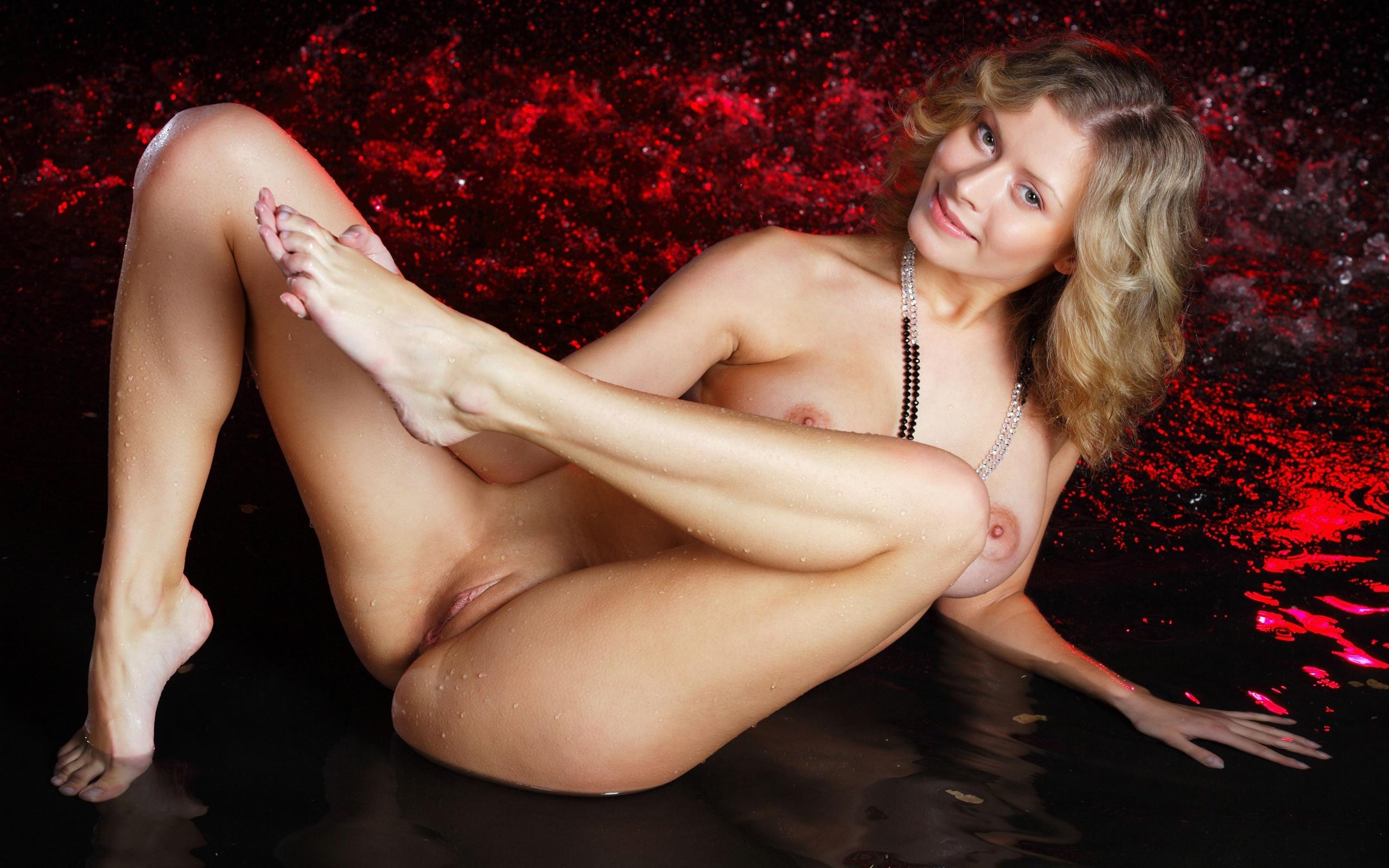 Amusing Naked wet dragonball girls