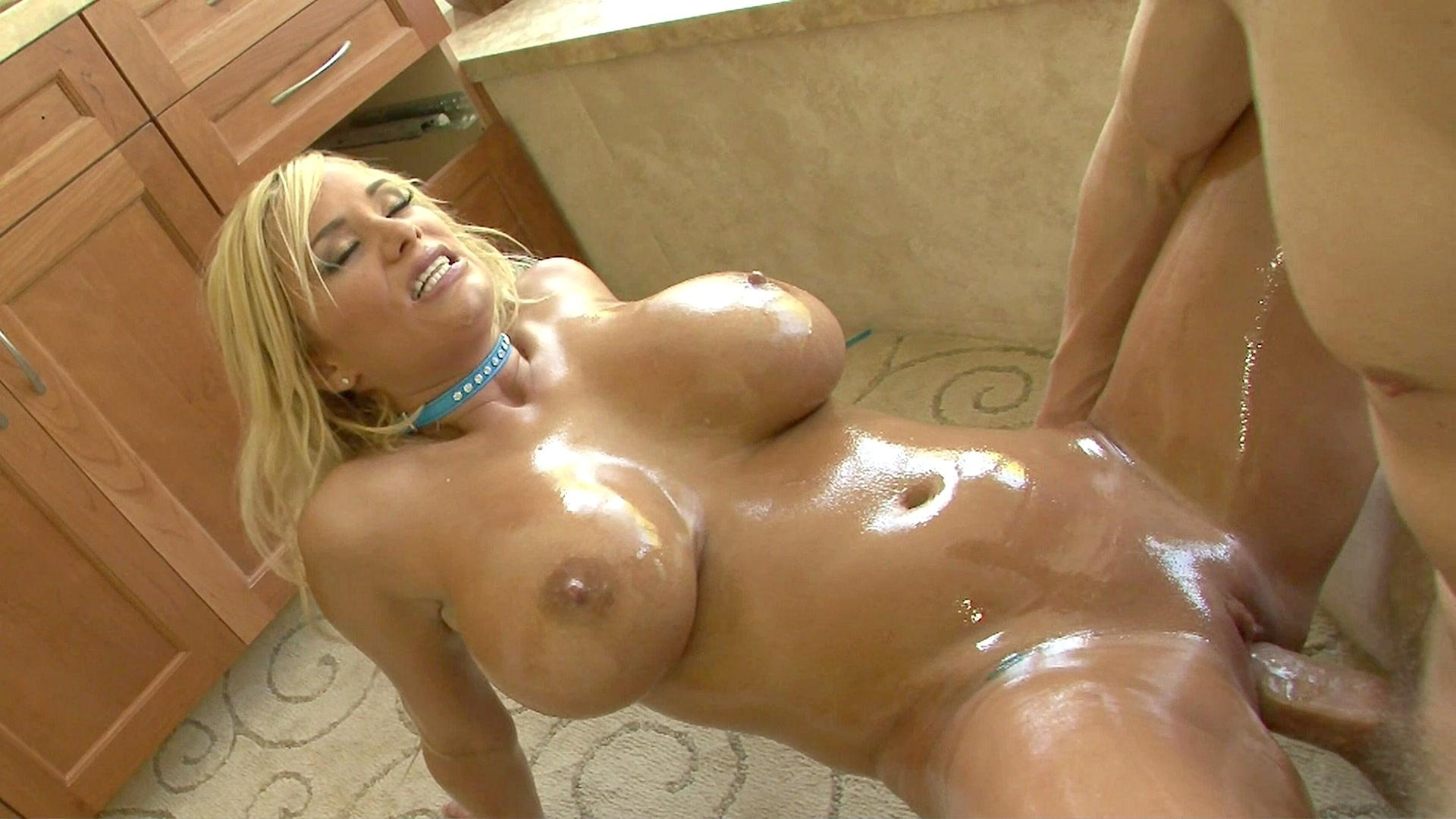 Sexy oily body nude sex taste