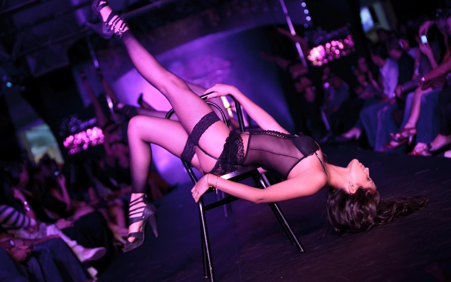 Striptease female videos