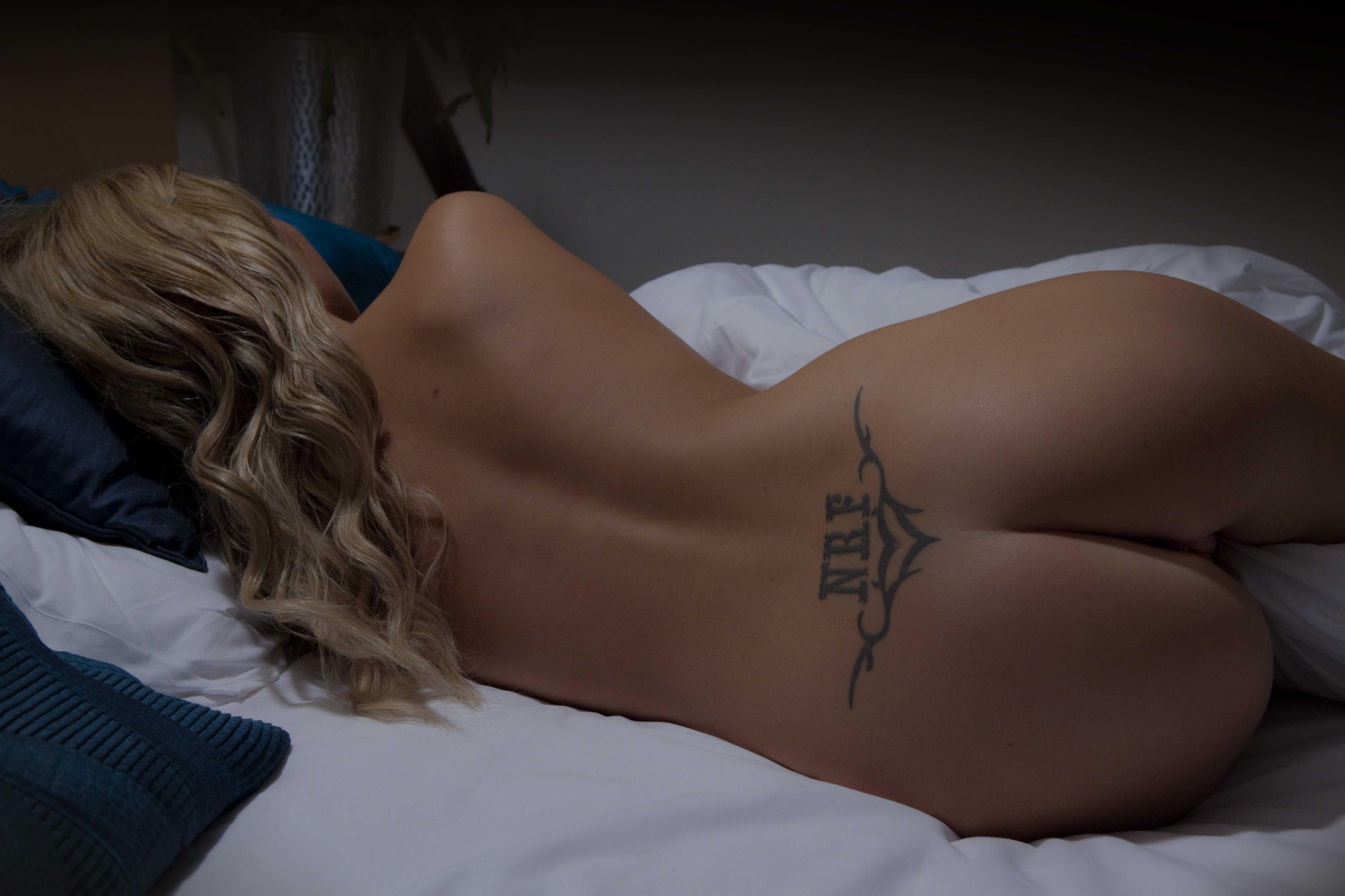 Wallpaper Tattoo, Ass, Bed, Pillow, Sleep, Blonde, Naked -9742
