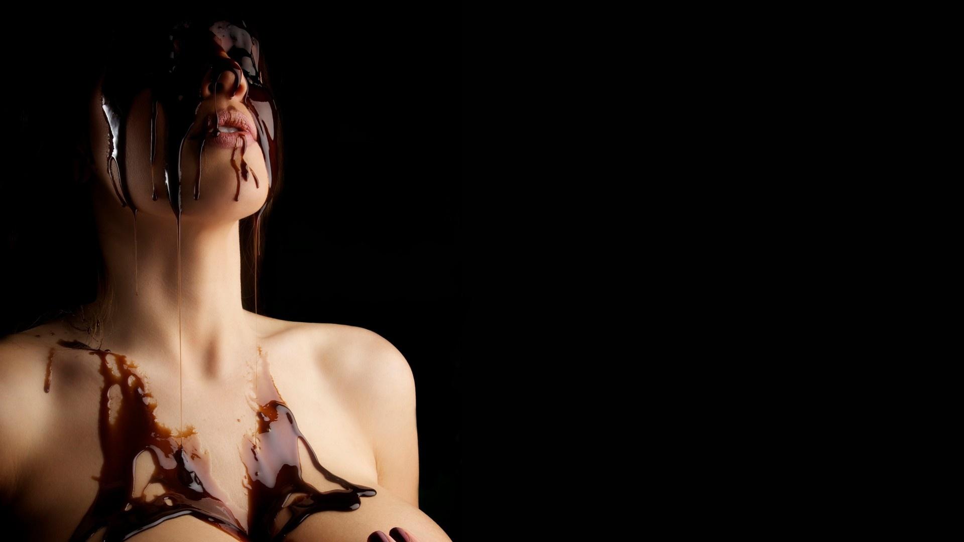 italian nude model casket