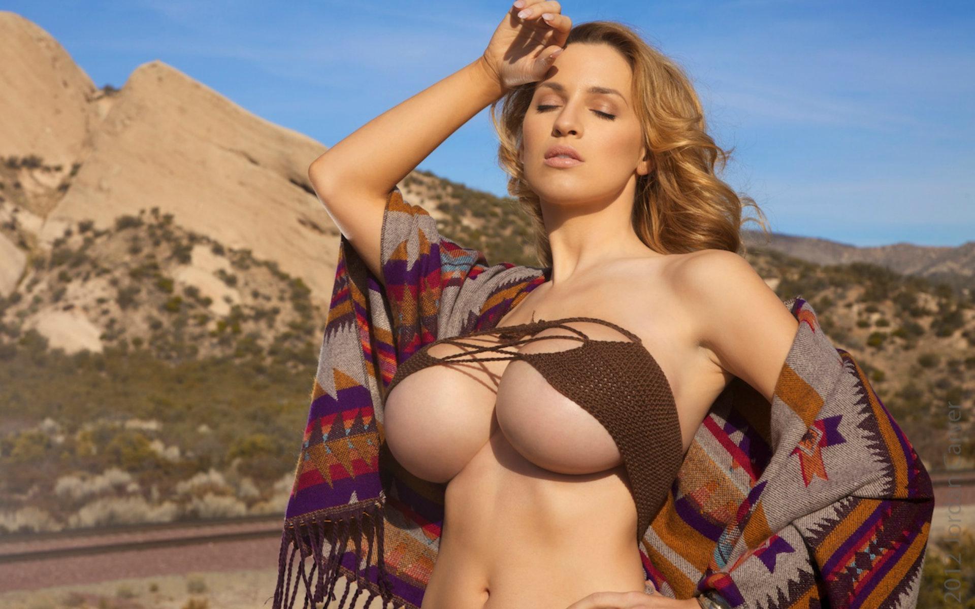 Sexy australian boobs