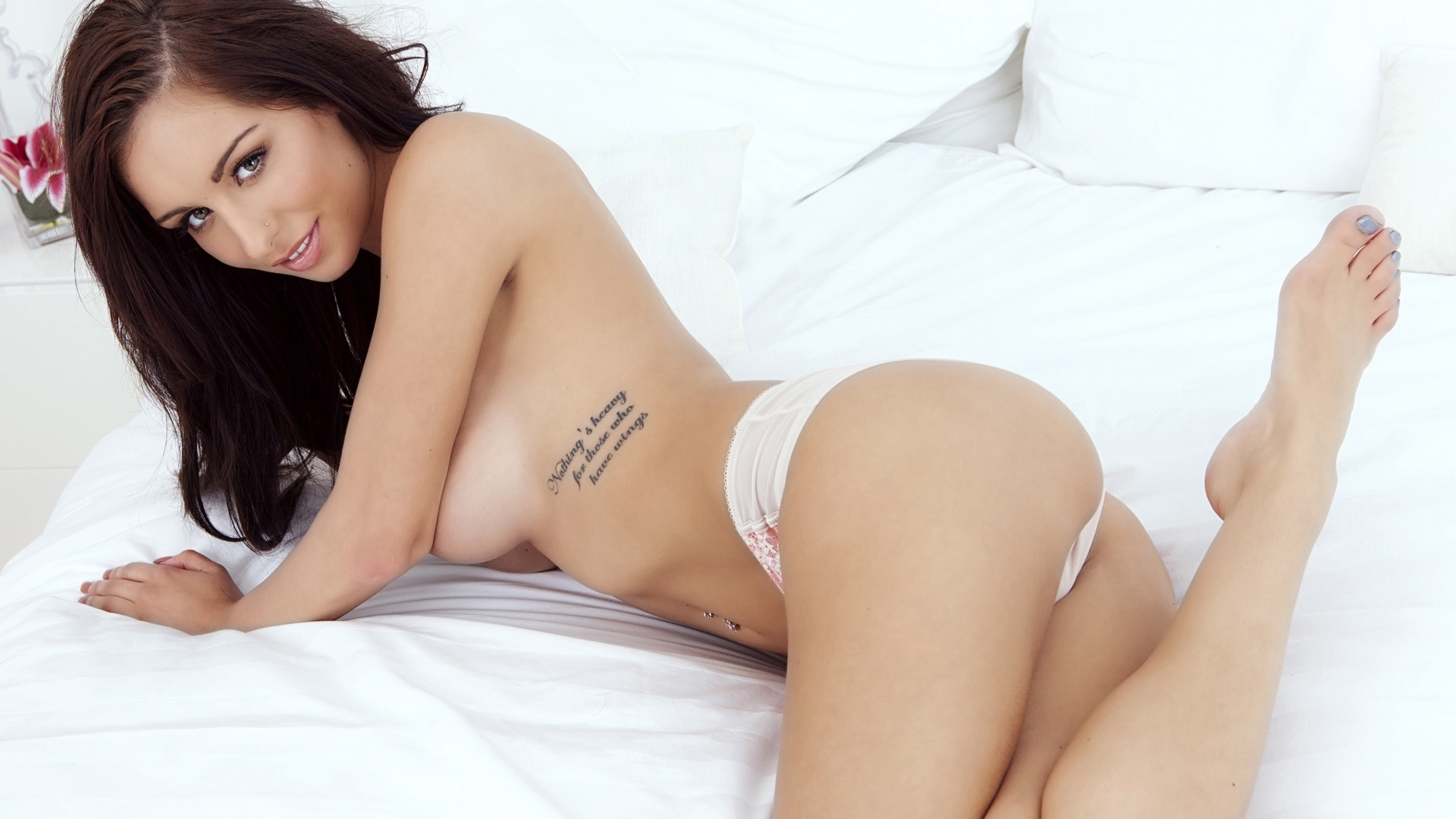 Playboy Paige Phillips Playmate Lingerie Brute Wallpaper
