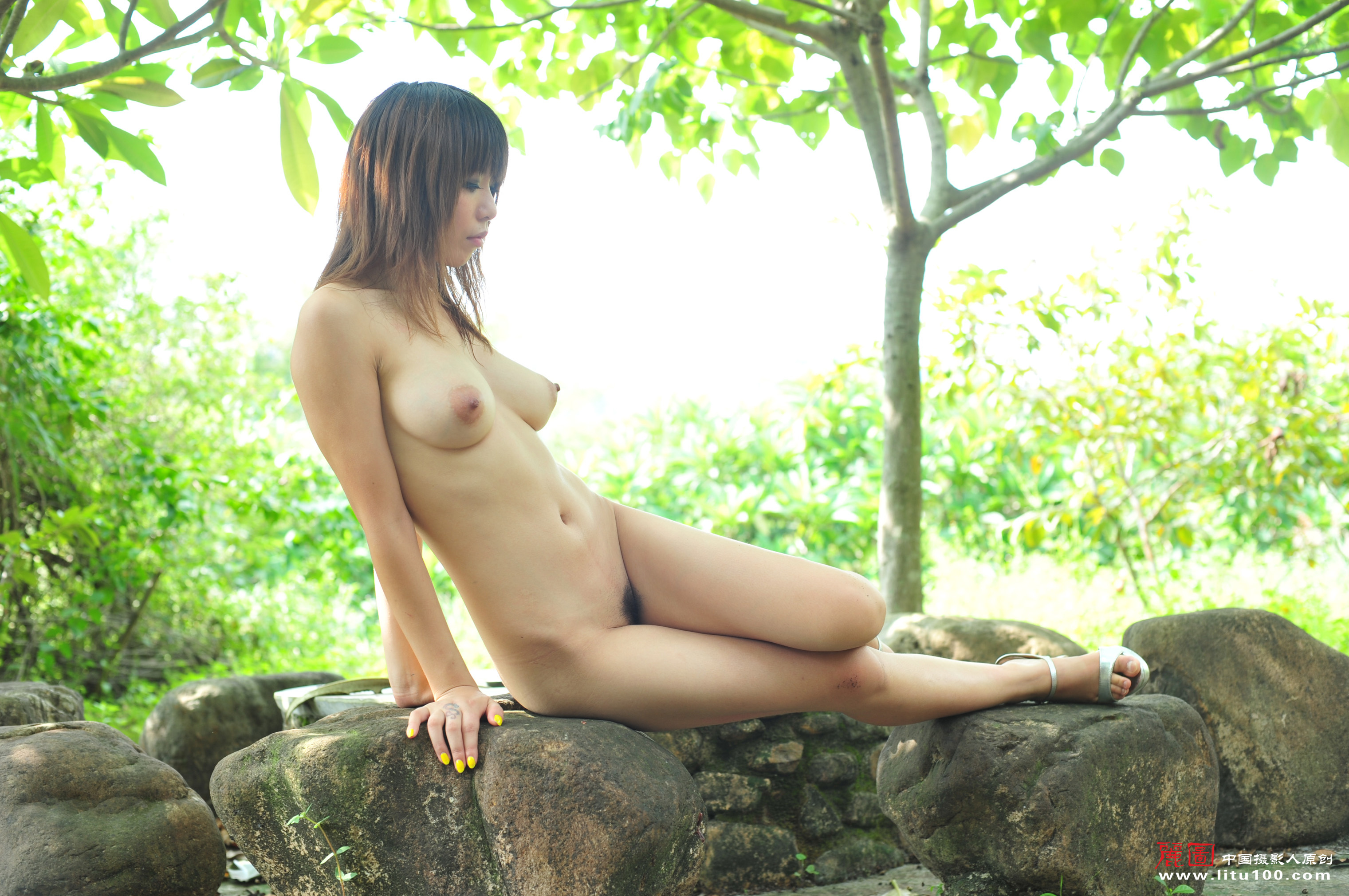 asian-outdoor-naked-chick-masturbation-to-orgasm