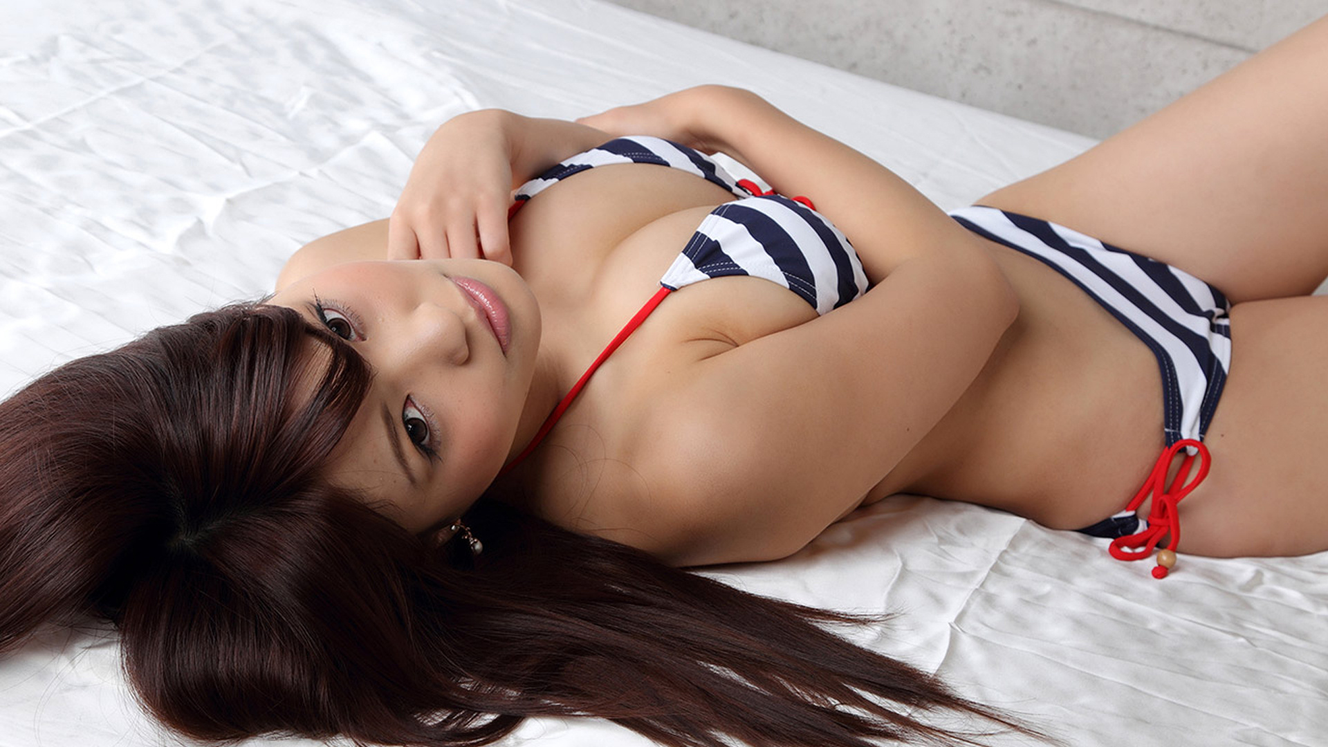 girls Hot asian wallpapers bikini