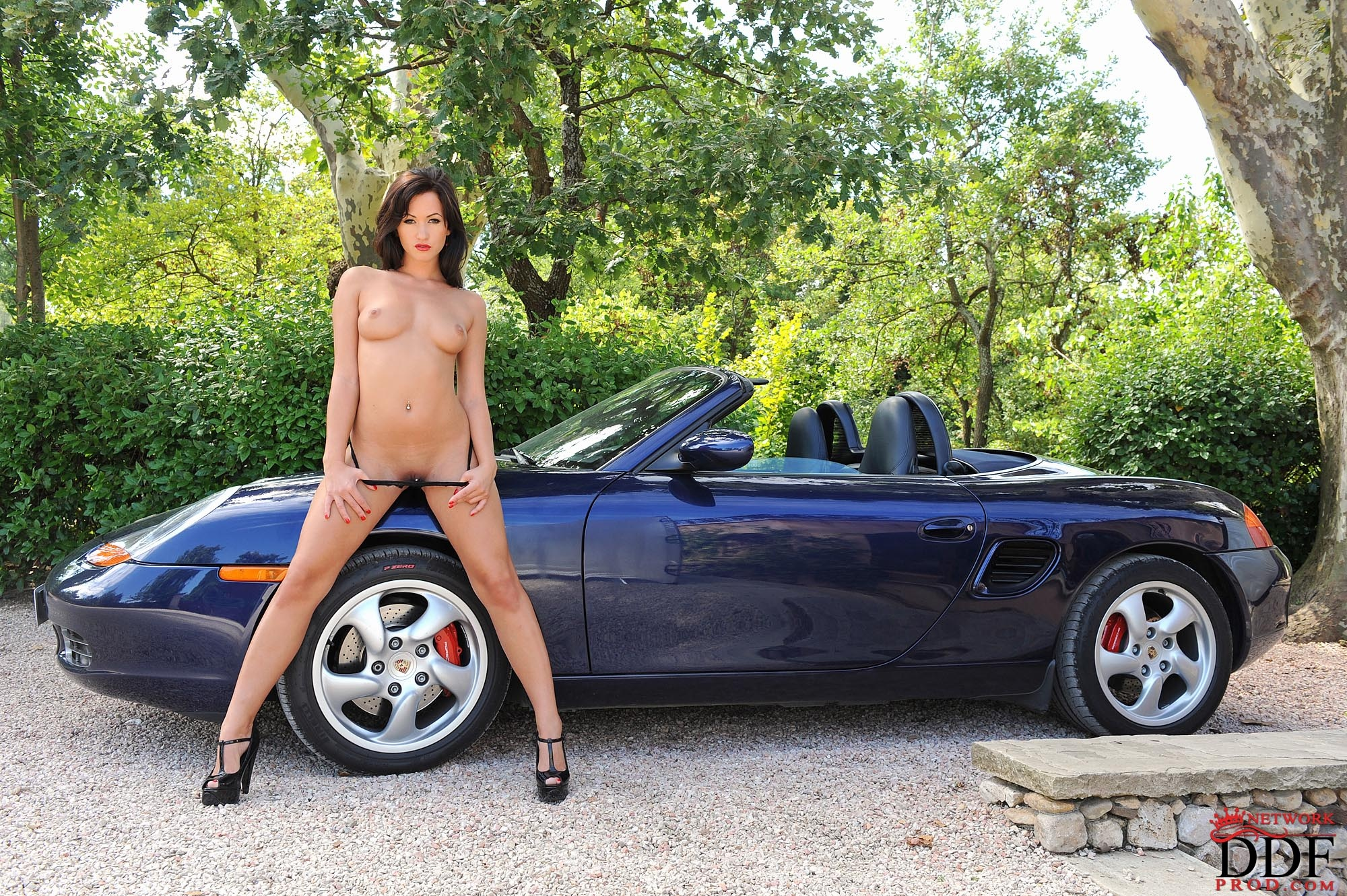 Fully naked girls on cars, cosmetics facial