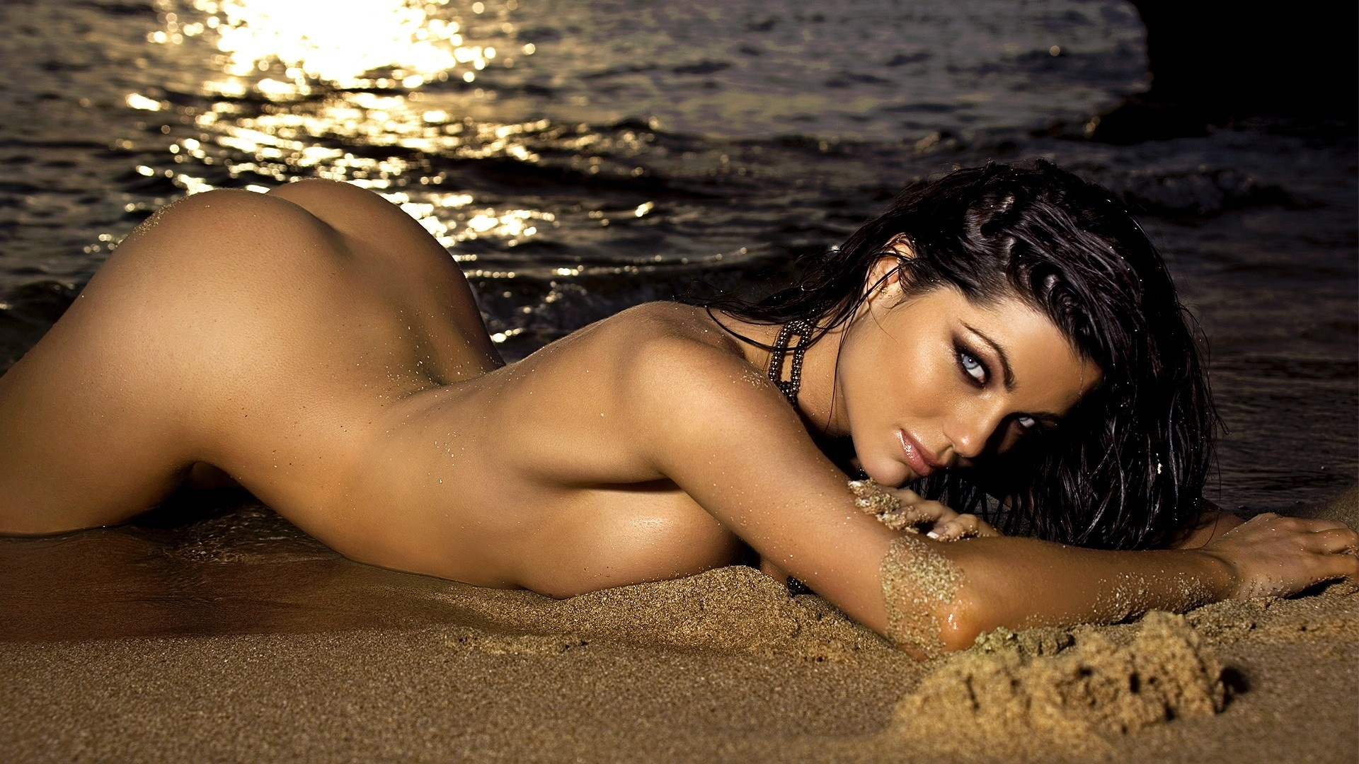 hottest girl in the world nude